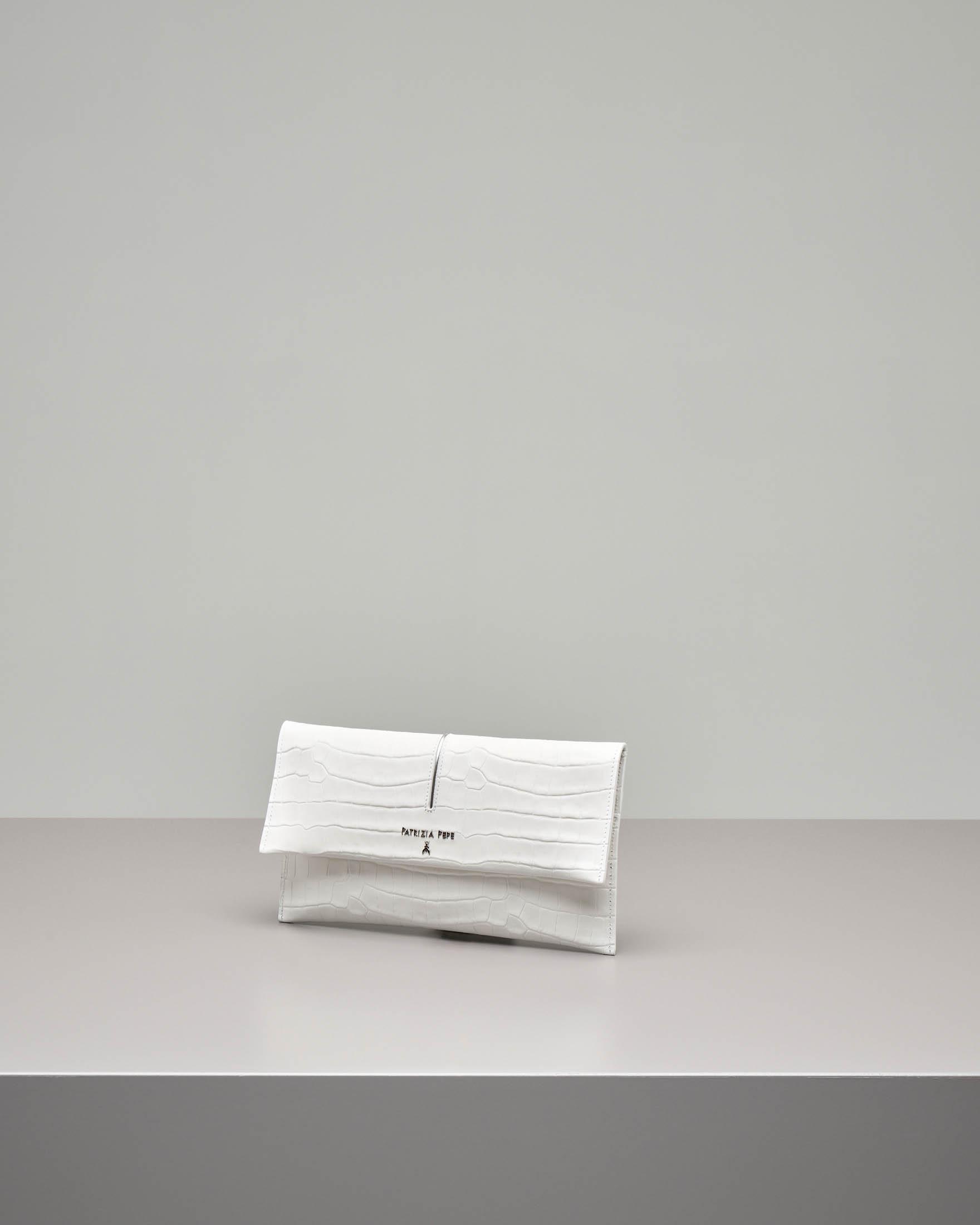 Pochette in pelle color bianco stampa coco con patella e tracolla removibile