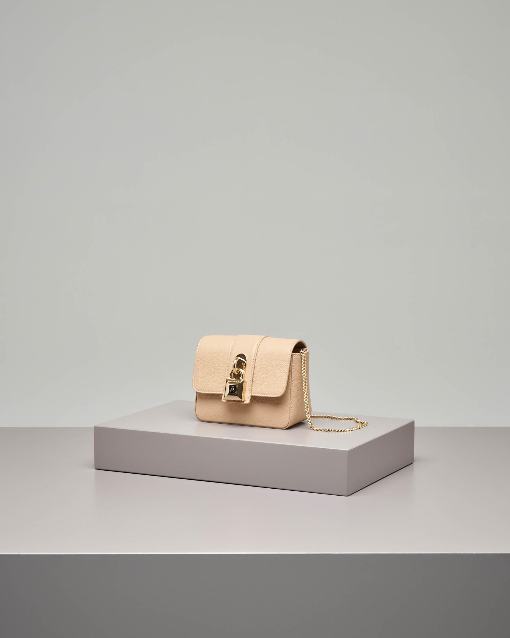 Cross bag mini in pelle beige con catena