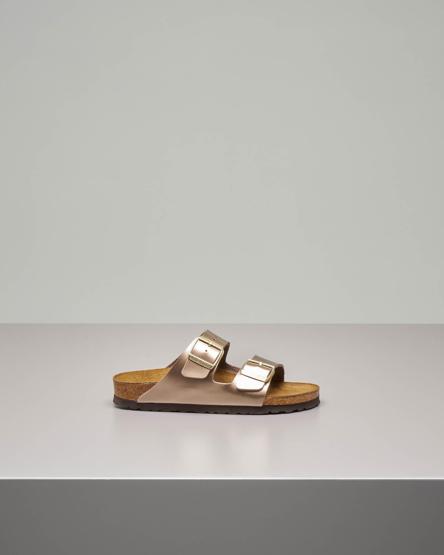 Sandalo Arizona in pelle color taupe effetto laminato con doppia fascetta