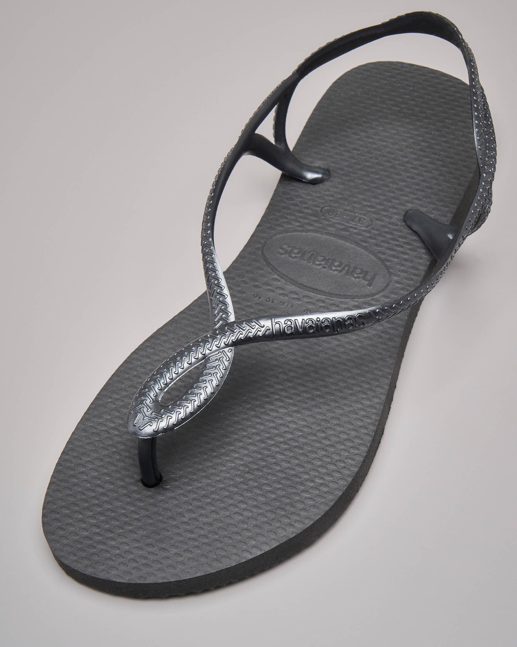 Havaians Luna nere con fascetta intrecciata alla caviglia