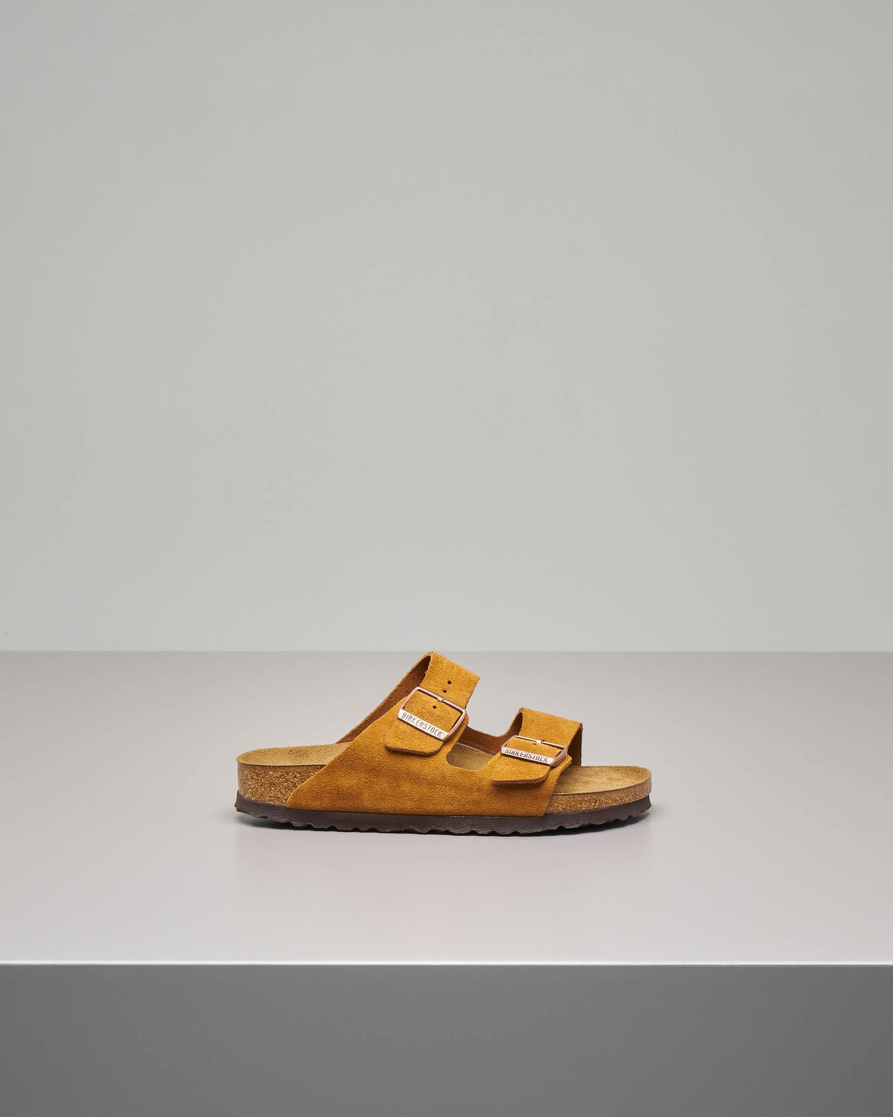 Sandalo Arizona soft in pelle scamosciata color cuoio con doppia fascetta