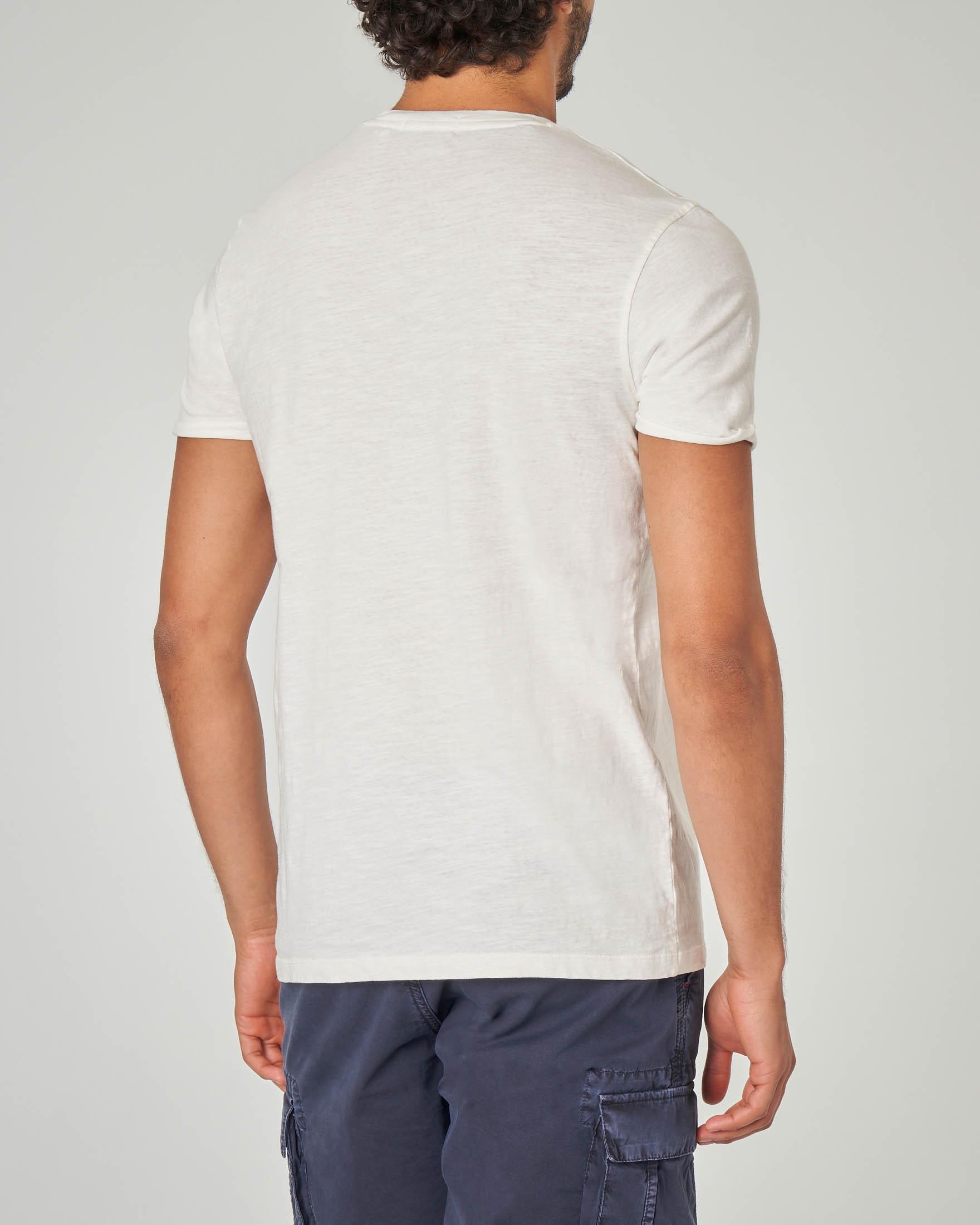 T-shirt bianca con taschino tessuto slub