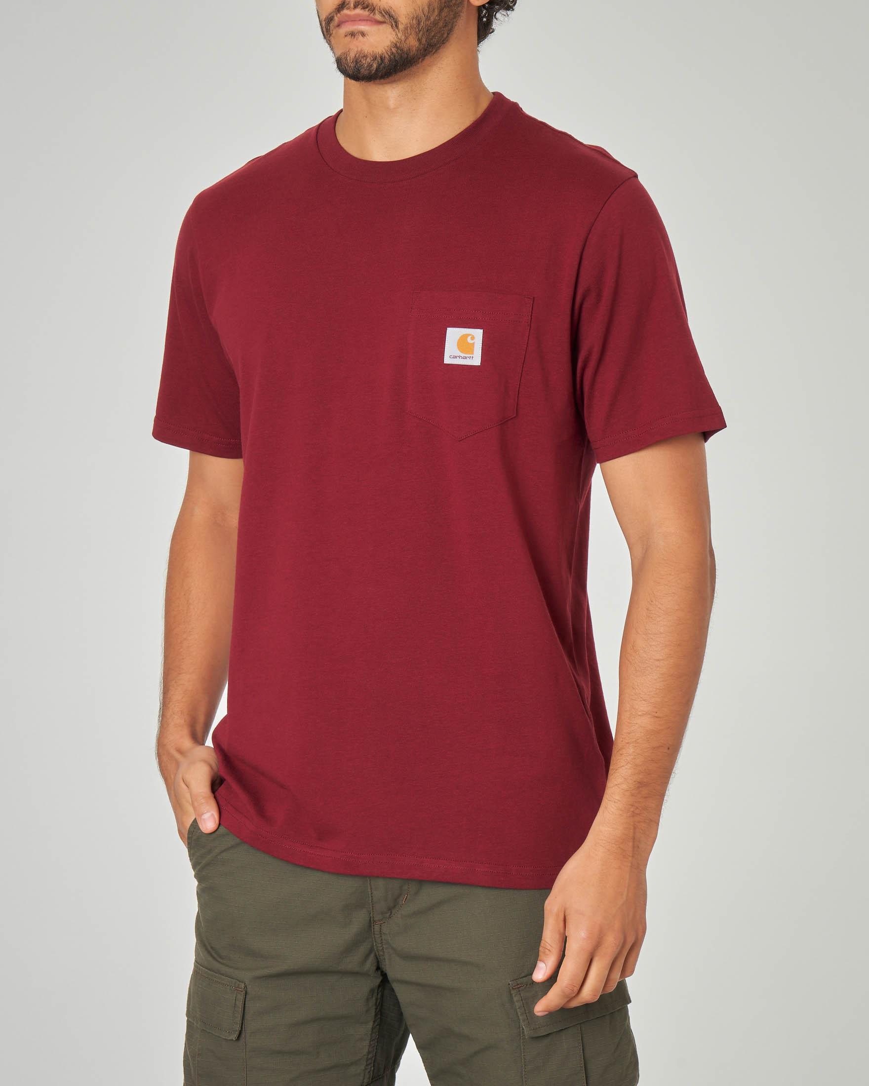 T-shirt bordeaux con taschino