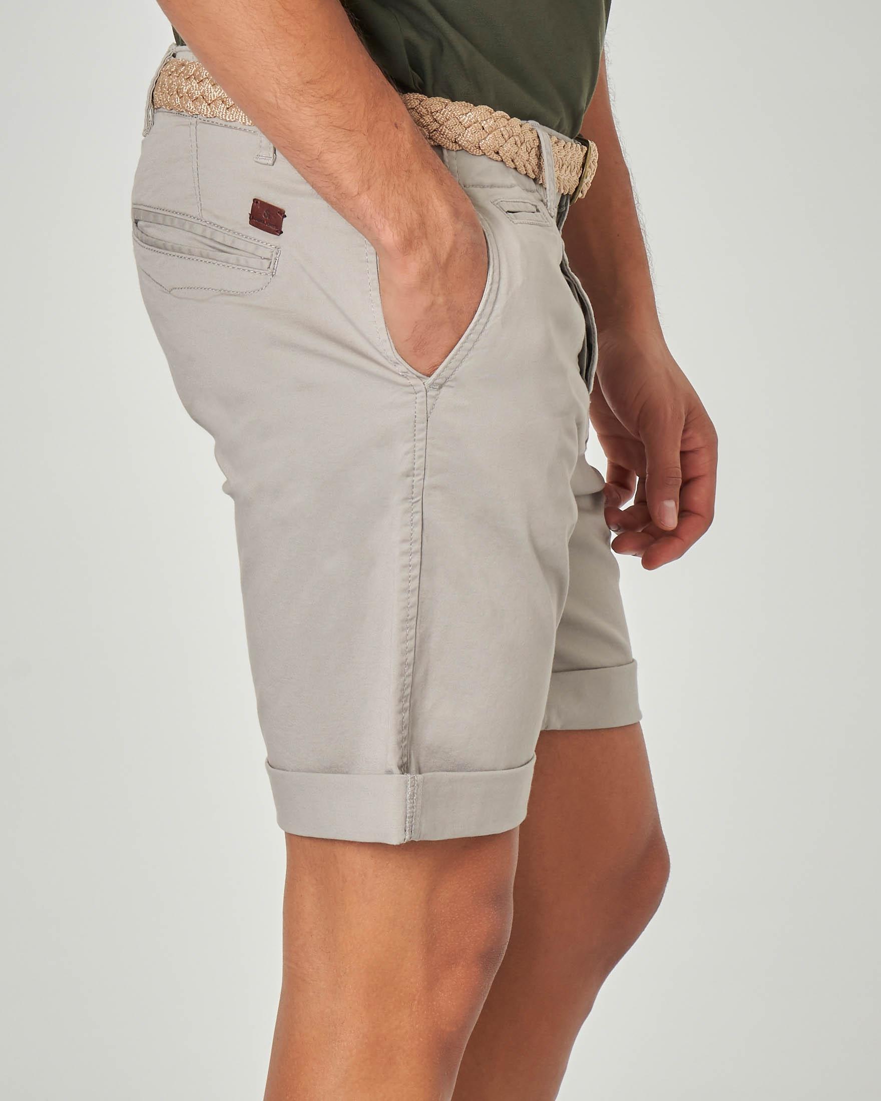 Bermuda chino grigio con cintura in corda intrecciata