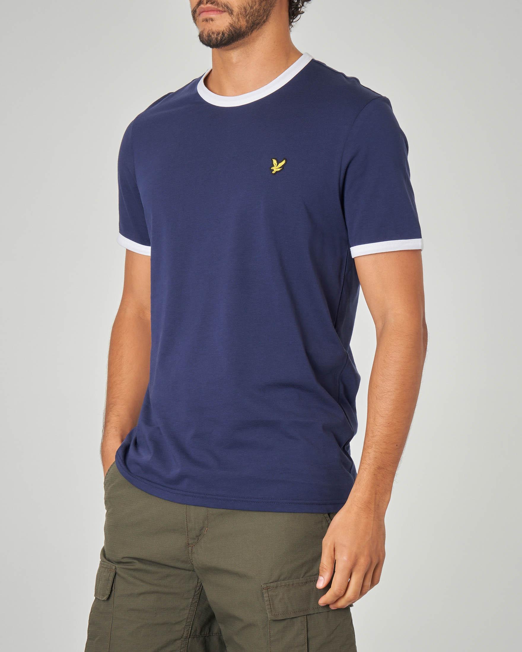 T-shirt blu con bordino su maniche e collo bianco