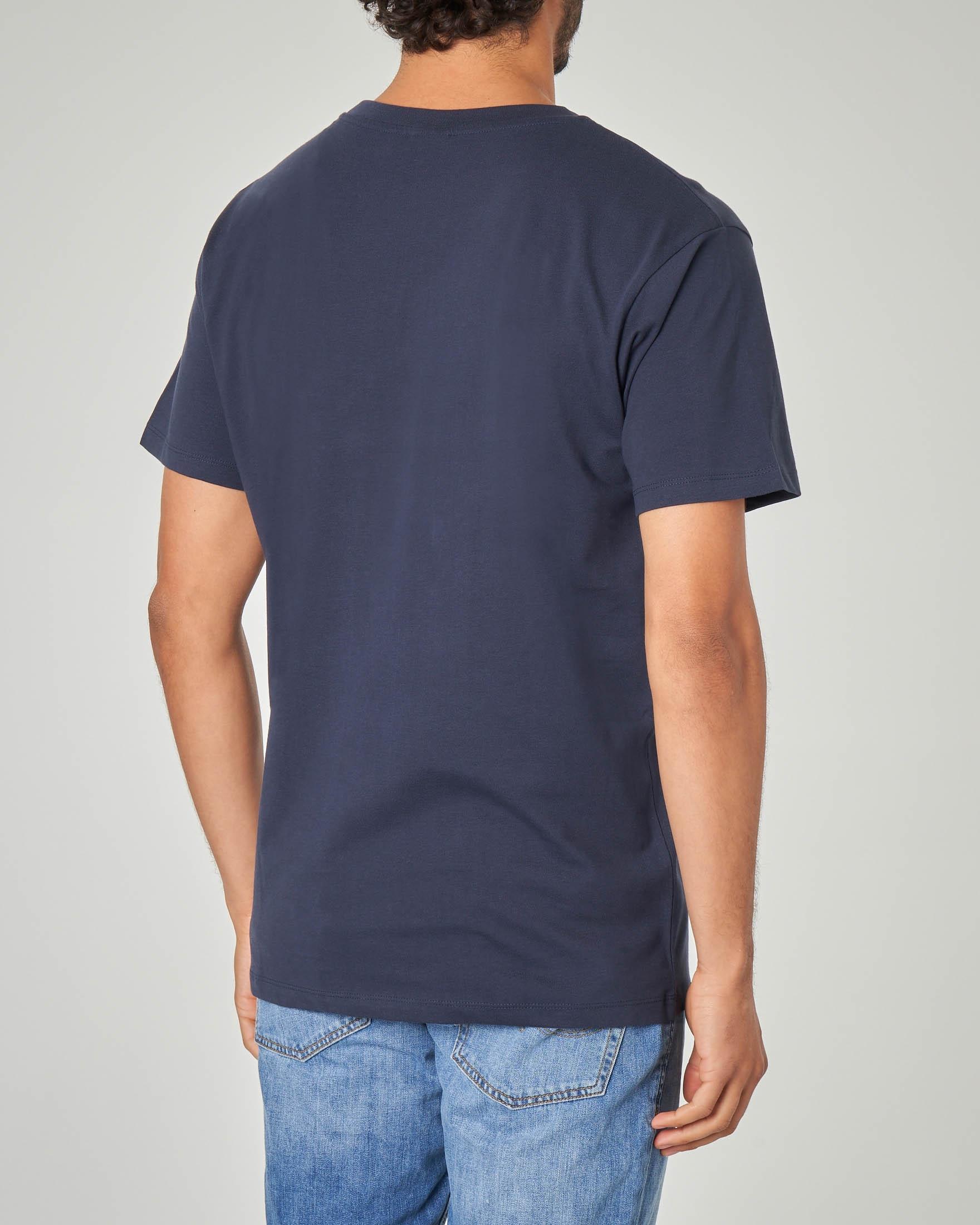 T-shirt blu con stampa football