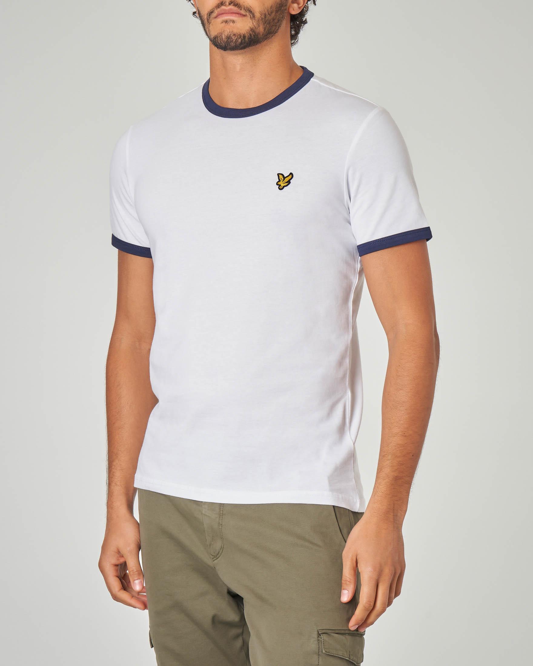 T-shirt bianca con bordino su maniche e collo blu
