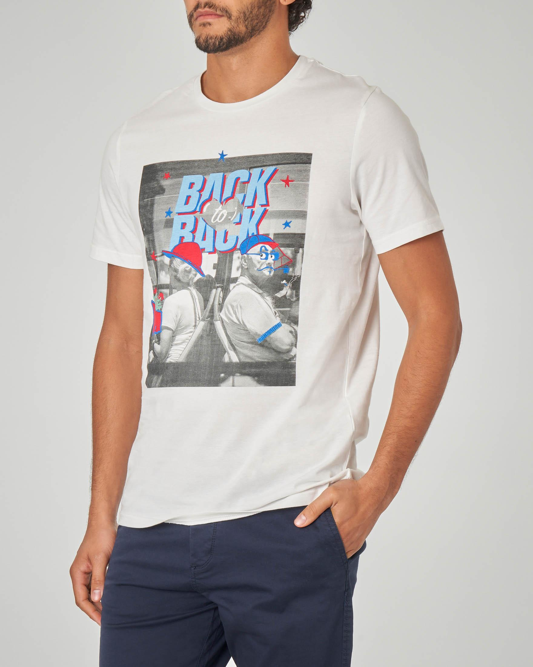 T-shirt bianca con stampa pop art