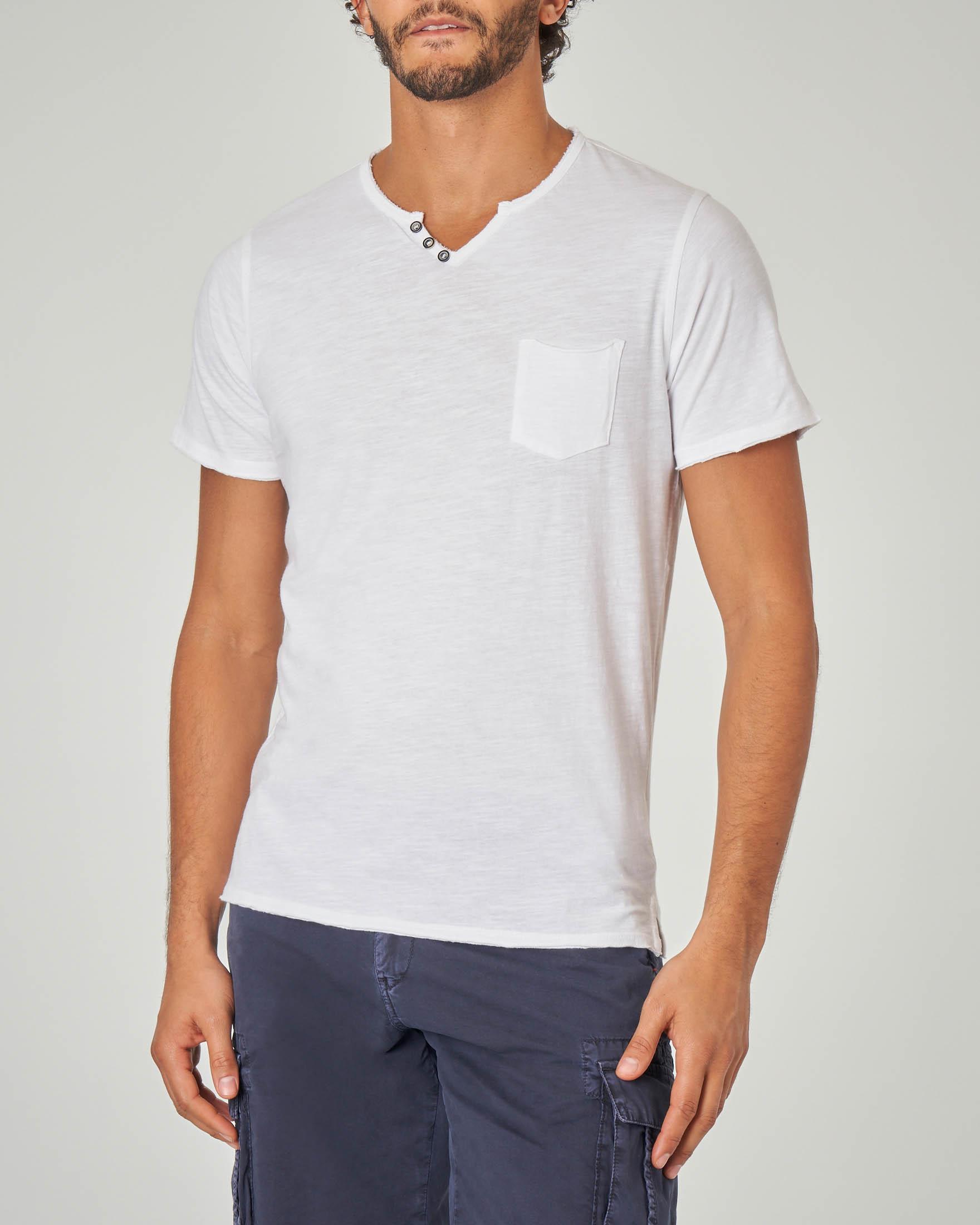 T-shirt bianca serafino con taschino
