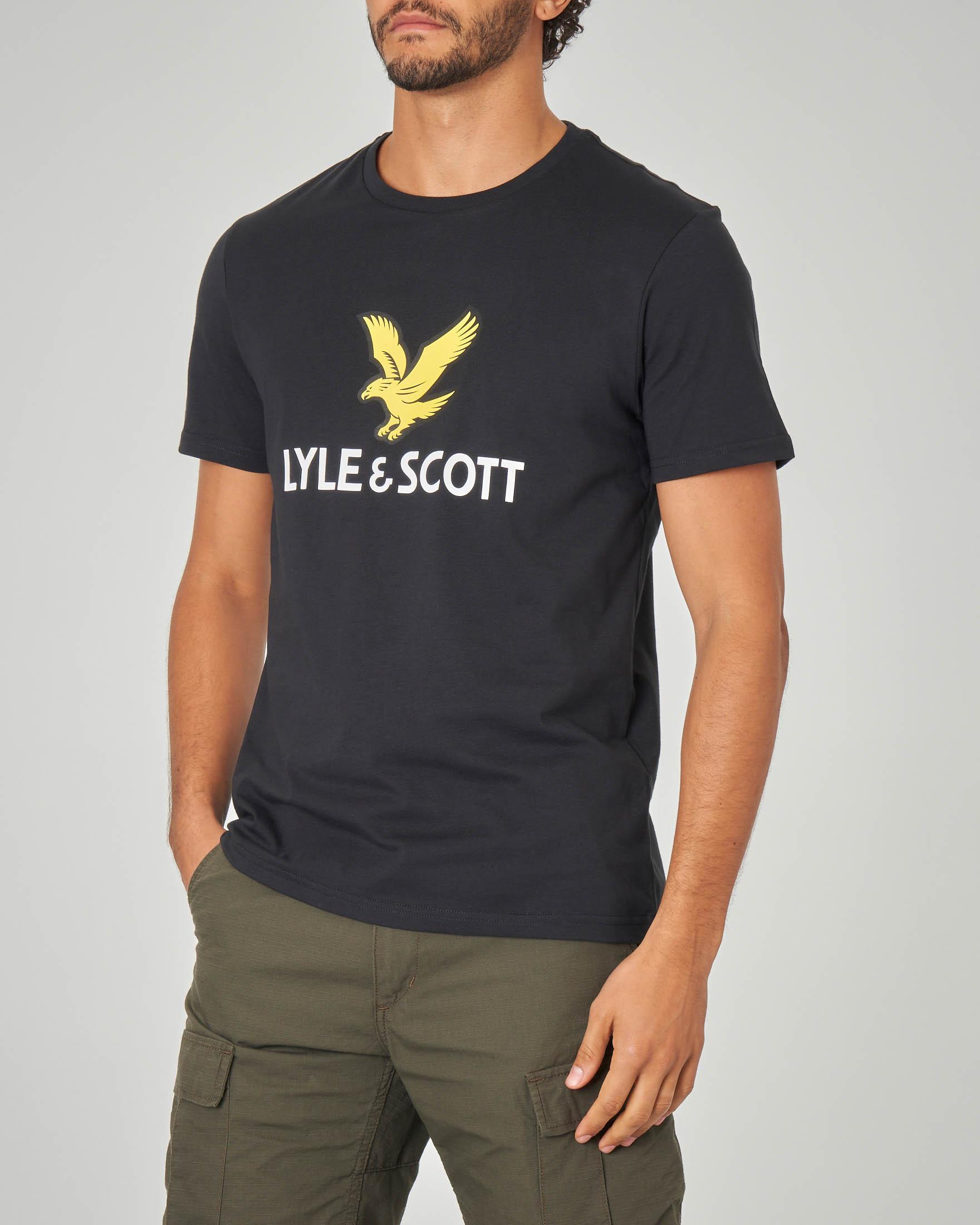 T-shirt nera con maxi-logo
