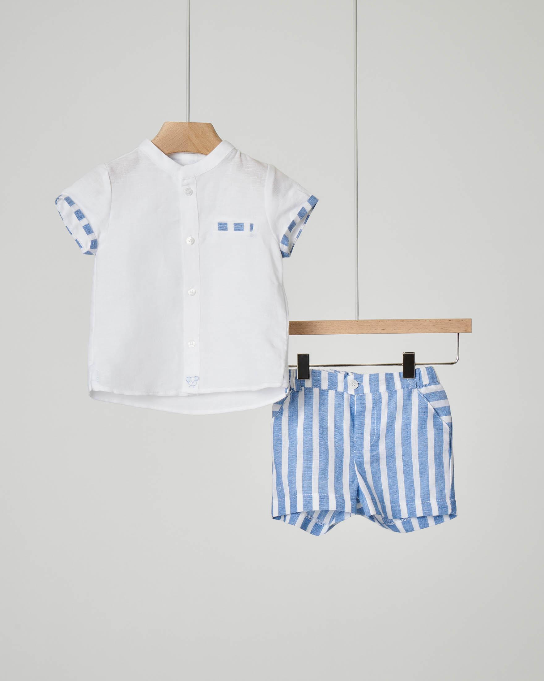 Completo in lino misto cotone con pantalone corto a righe bianche e azzurre e camicia con colletto alla coreana