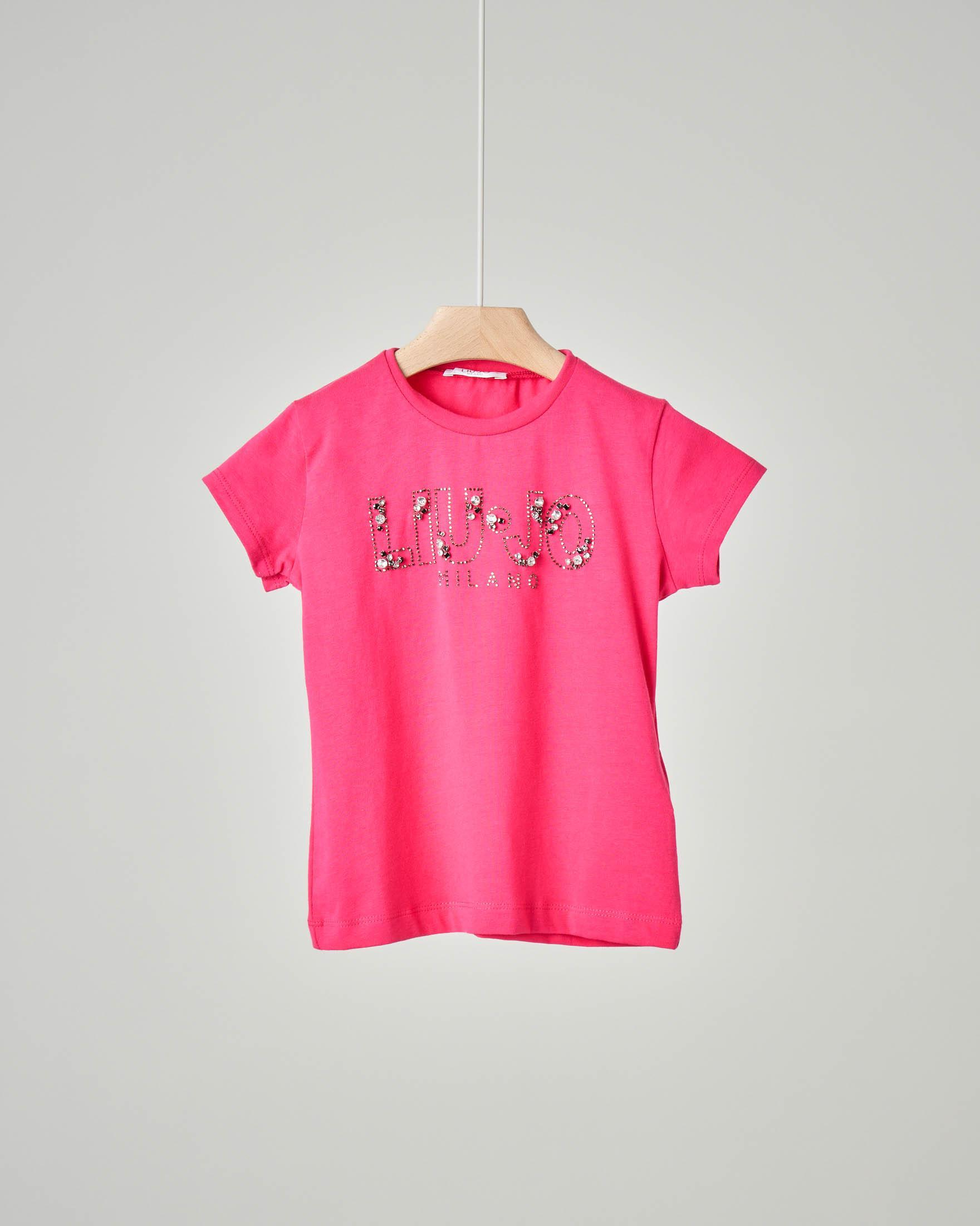 T-shirt fucsia in cotone elasticizzato con scritta logo in strass a contrasto