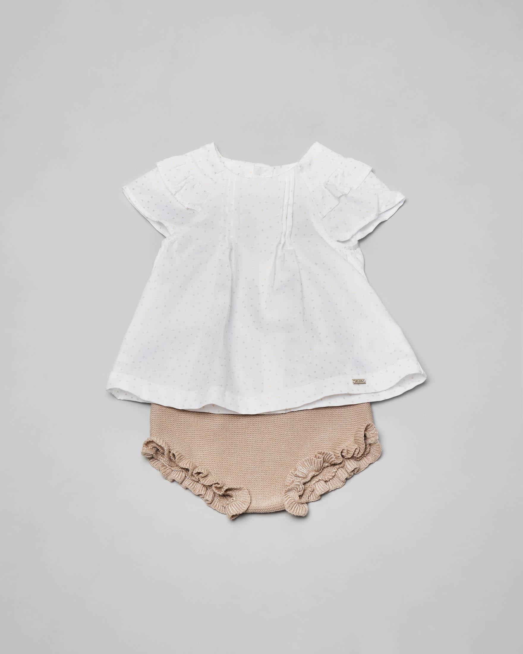 Completo con camicia bianca in cotone e culotte in tricot di cotone e viscosa beige