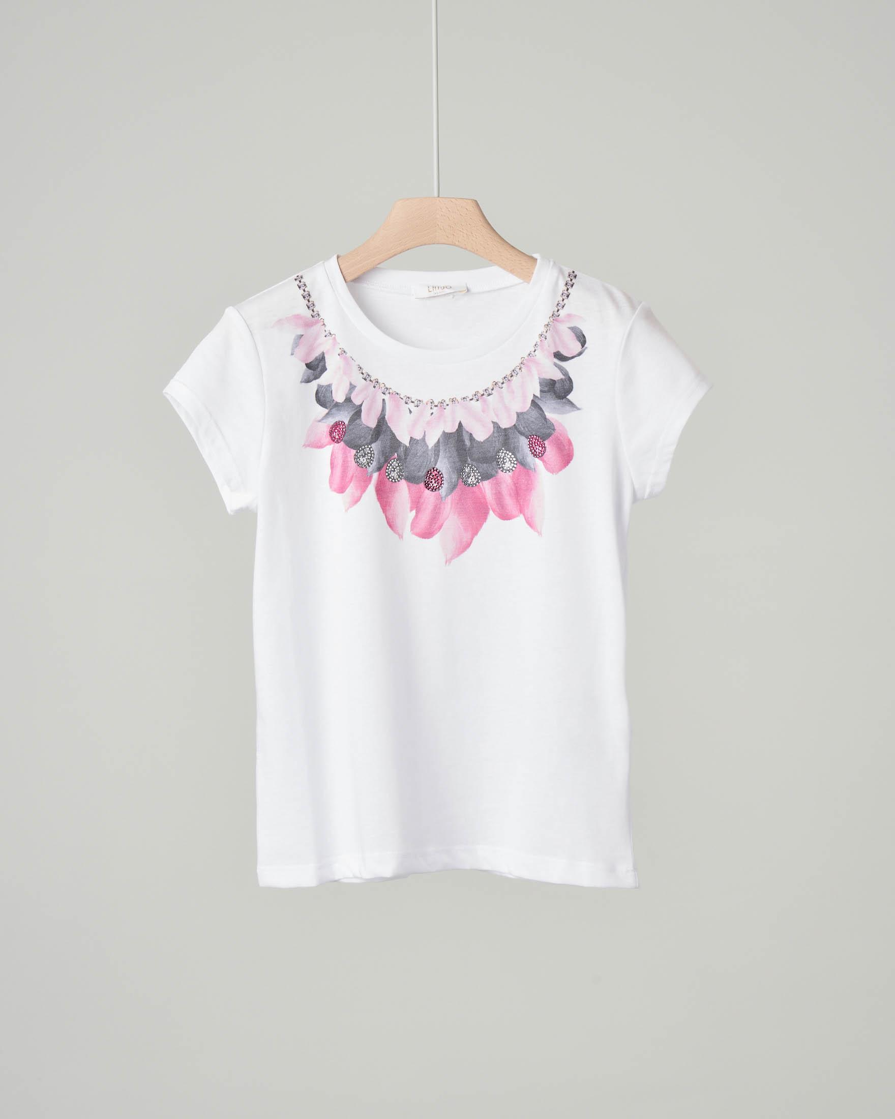 T-shirt bianca in misto cotone con stampa piume grigie e rosa con strass applicati