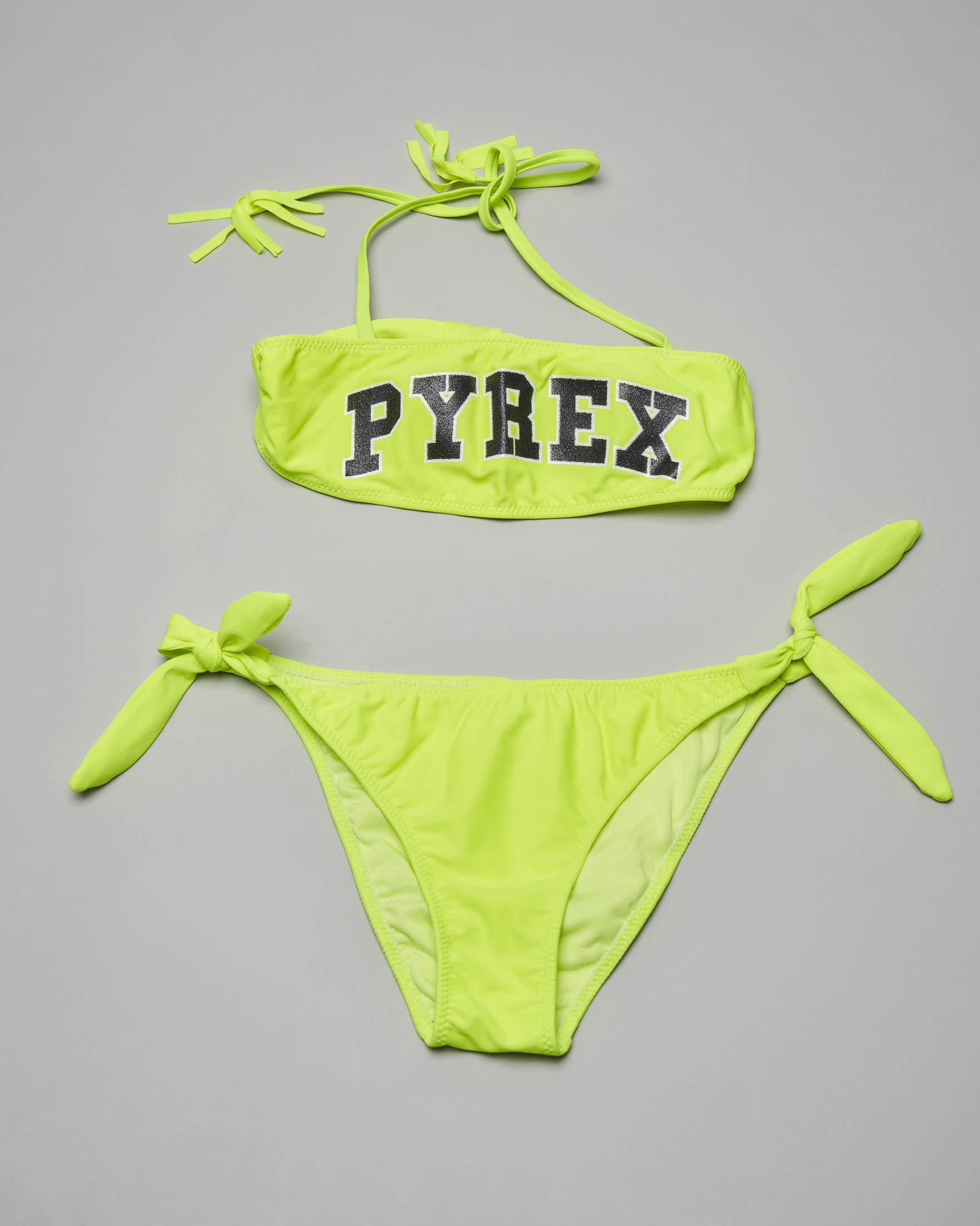 Bikini giallo fluo a fascia con scritta logo in glitter a contrasto e slip con laccetti ai lati