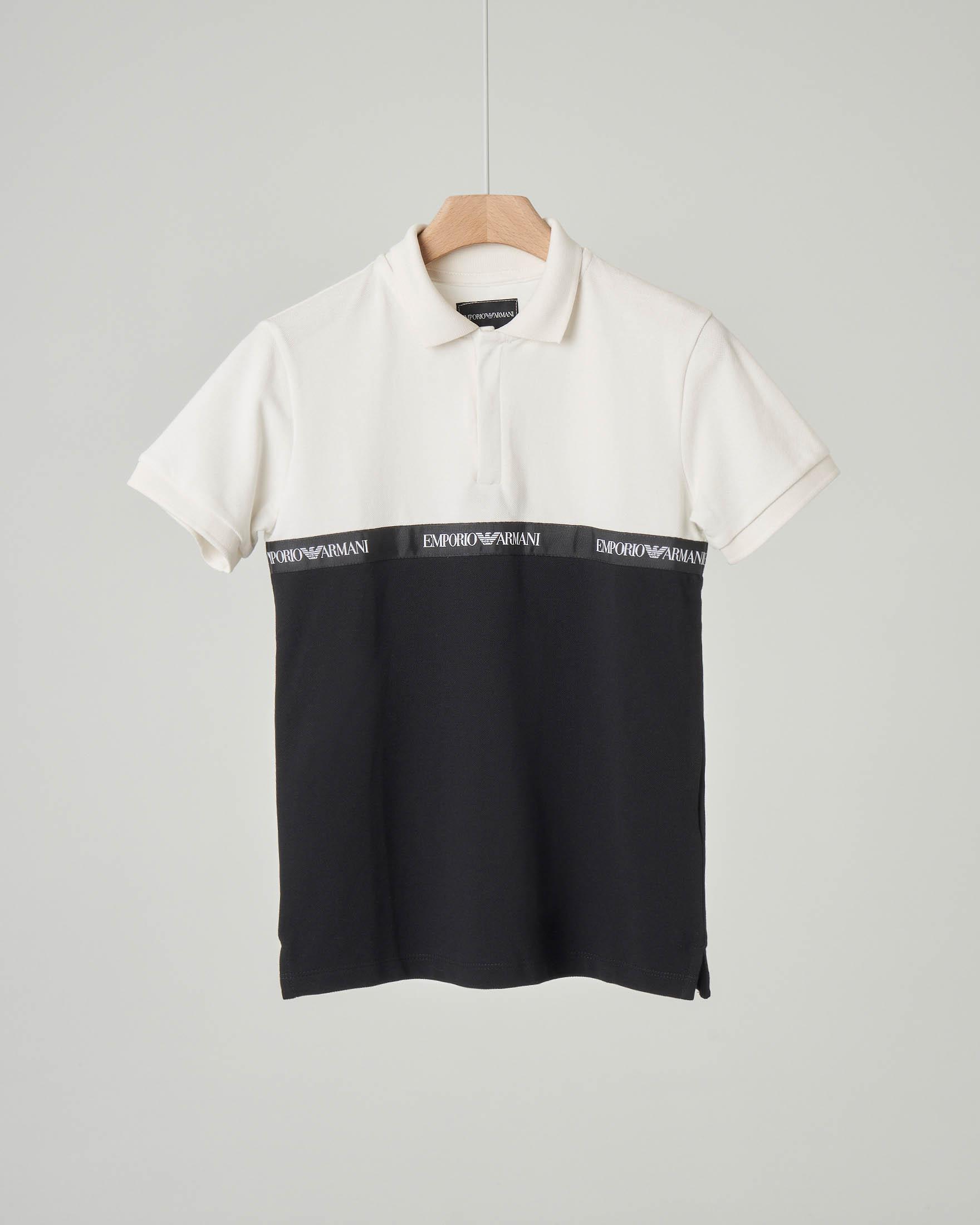 Polo bicolore nera e bianca con fascia logata