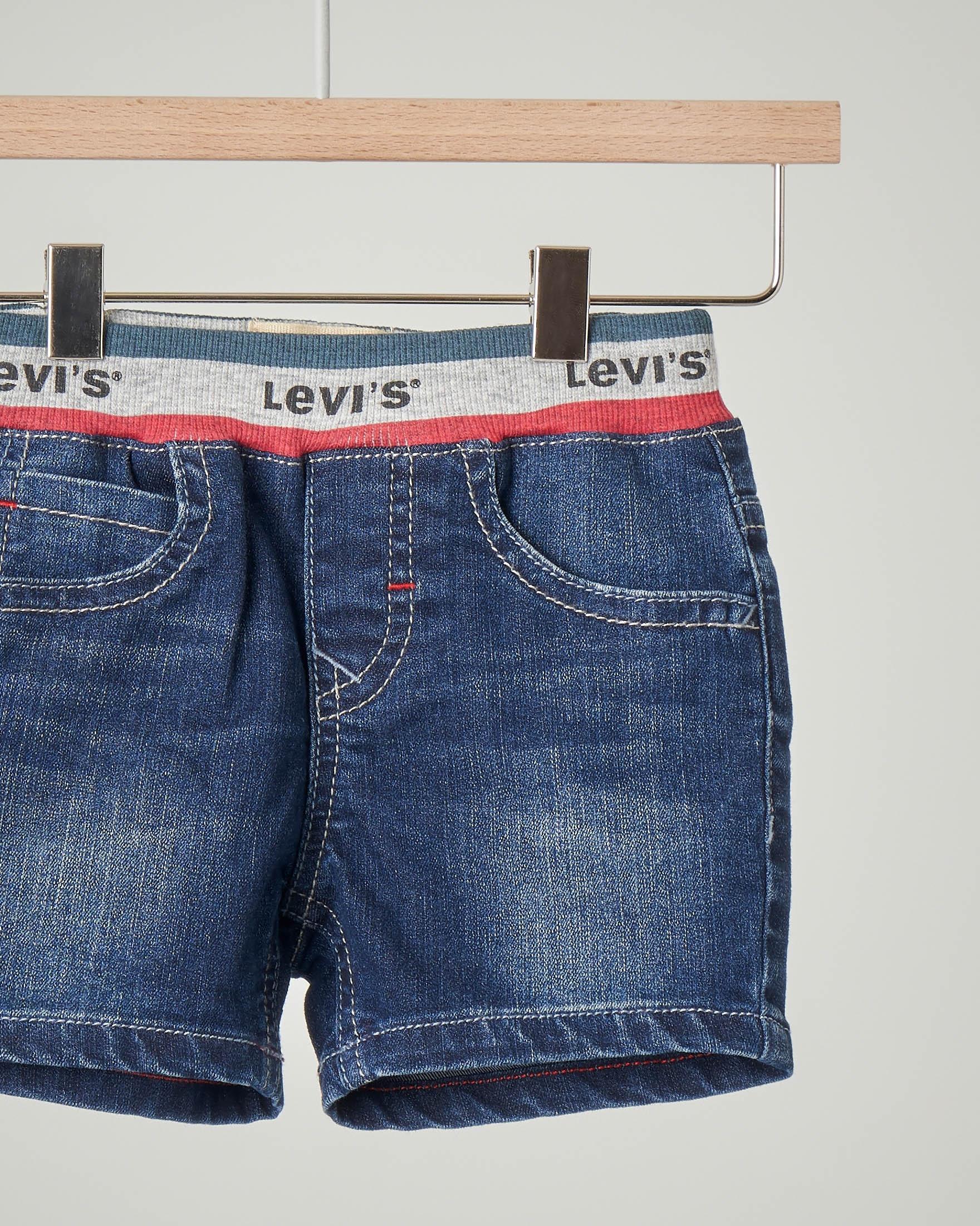 Bermuda jeans con elastico logato in vita
