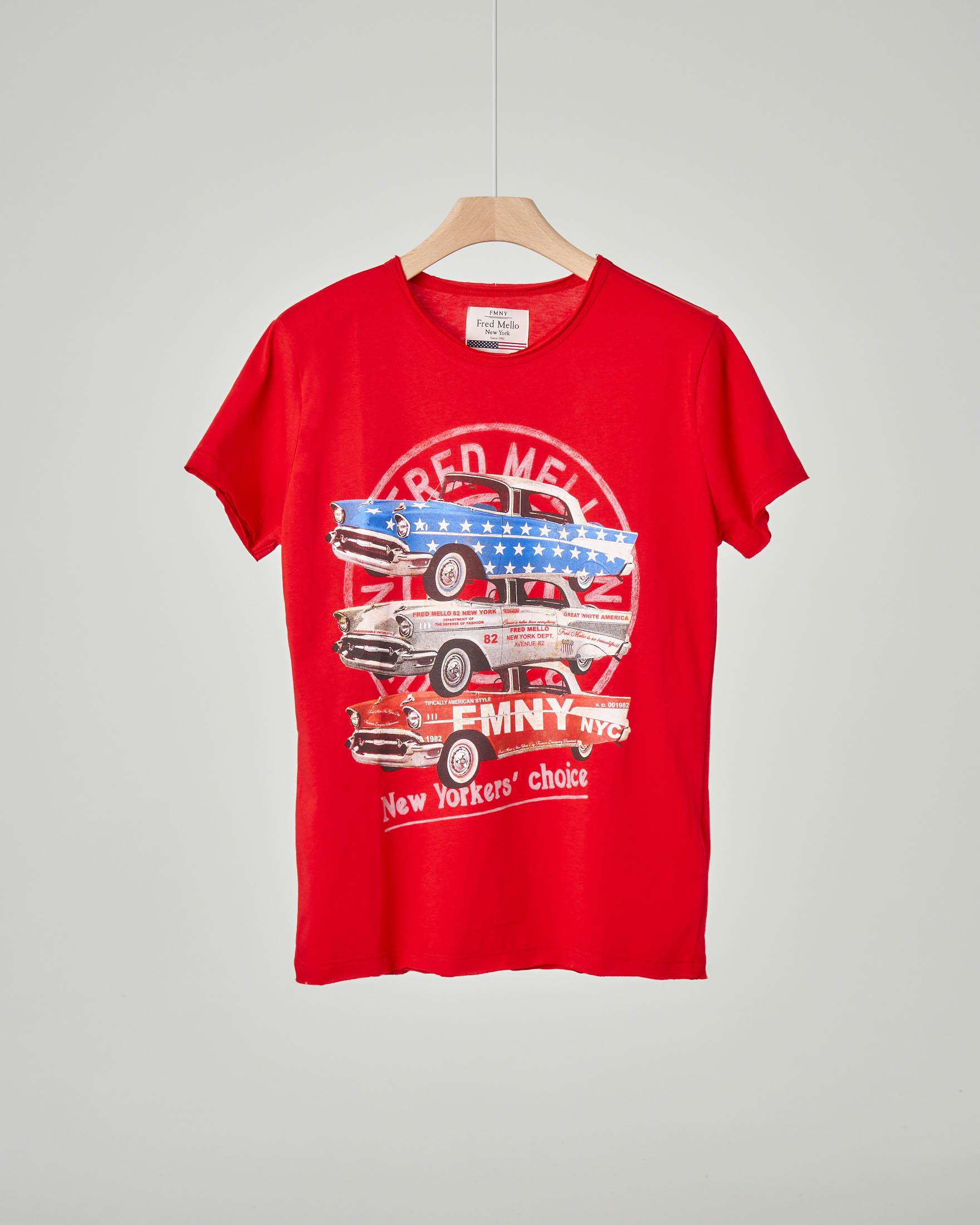 T-shirt rossa con stampa auto d'epoca