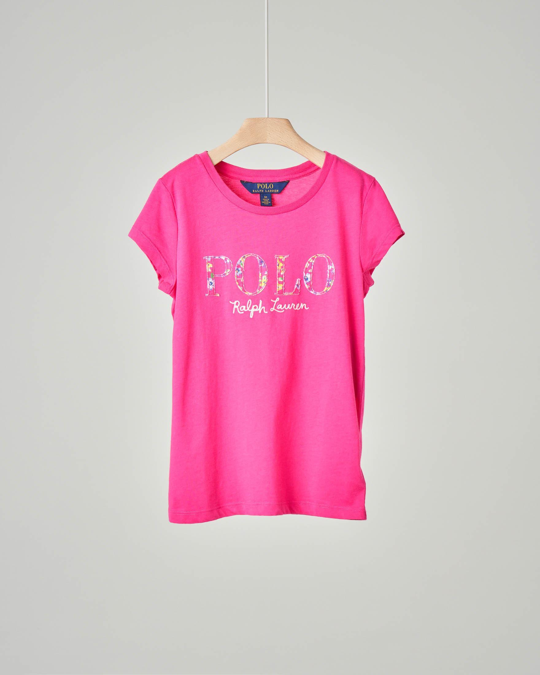 T-shirt fucsia con logo floreale ricamato