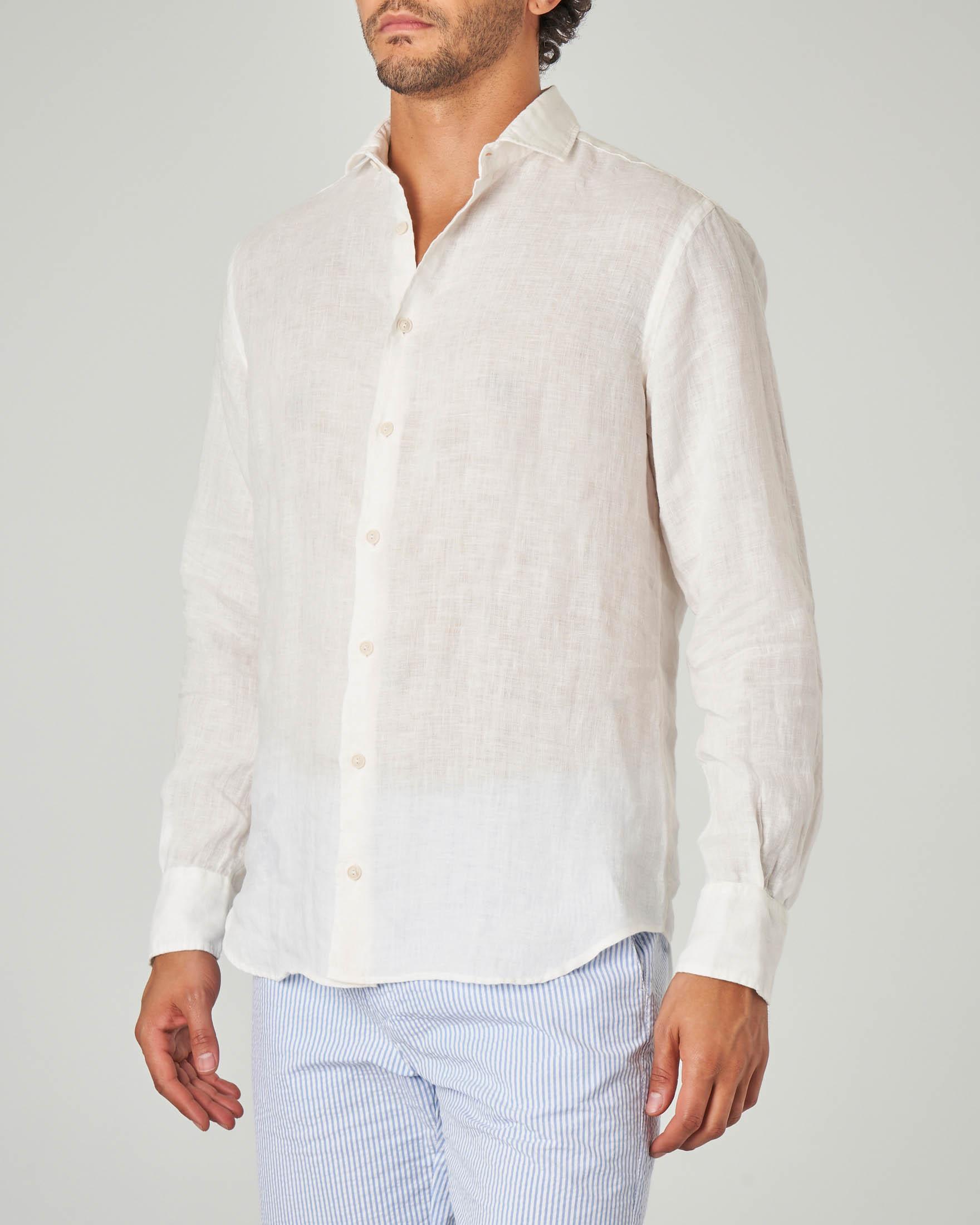 Camicia bianca in lino con collo alla francese