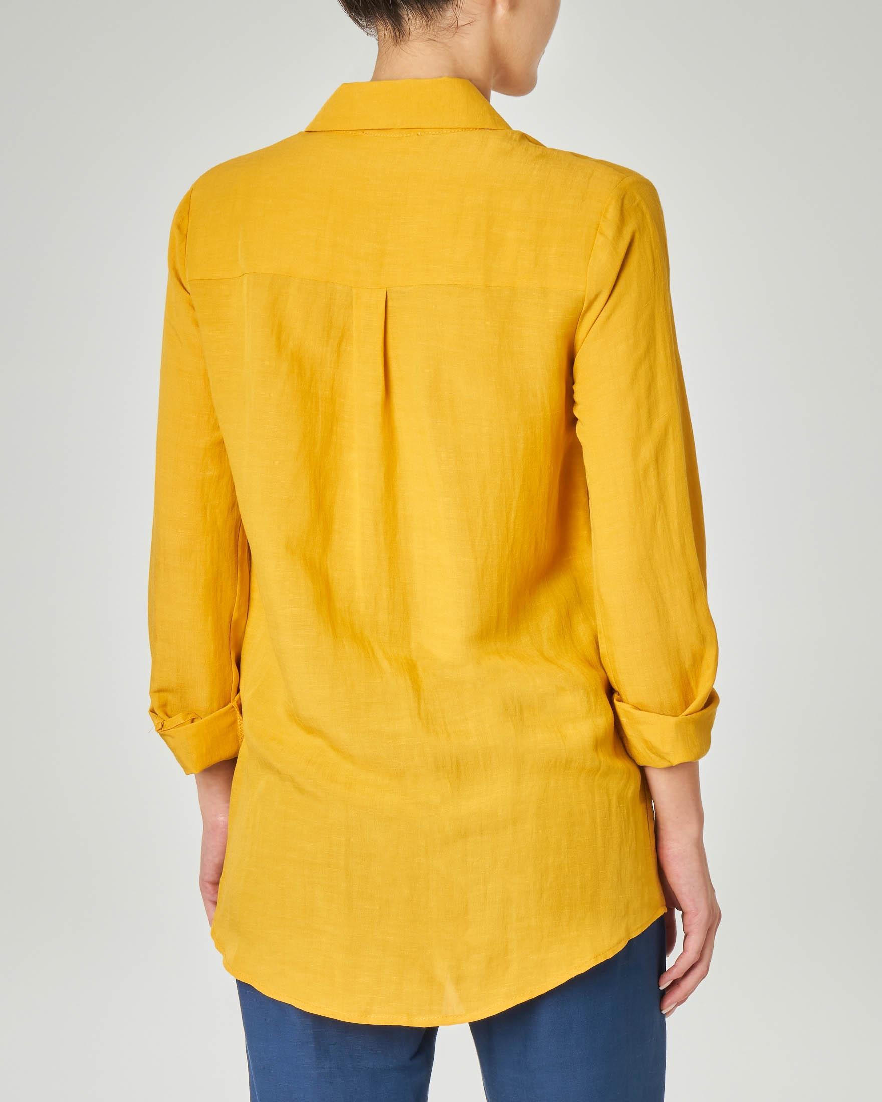 Camicia giallo ocra in viscosa misto lino con taschino