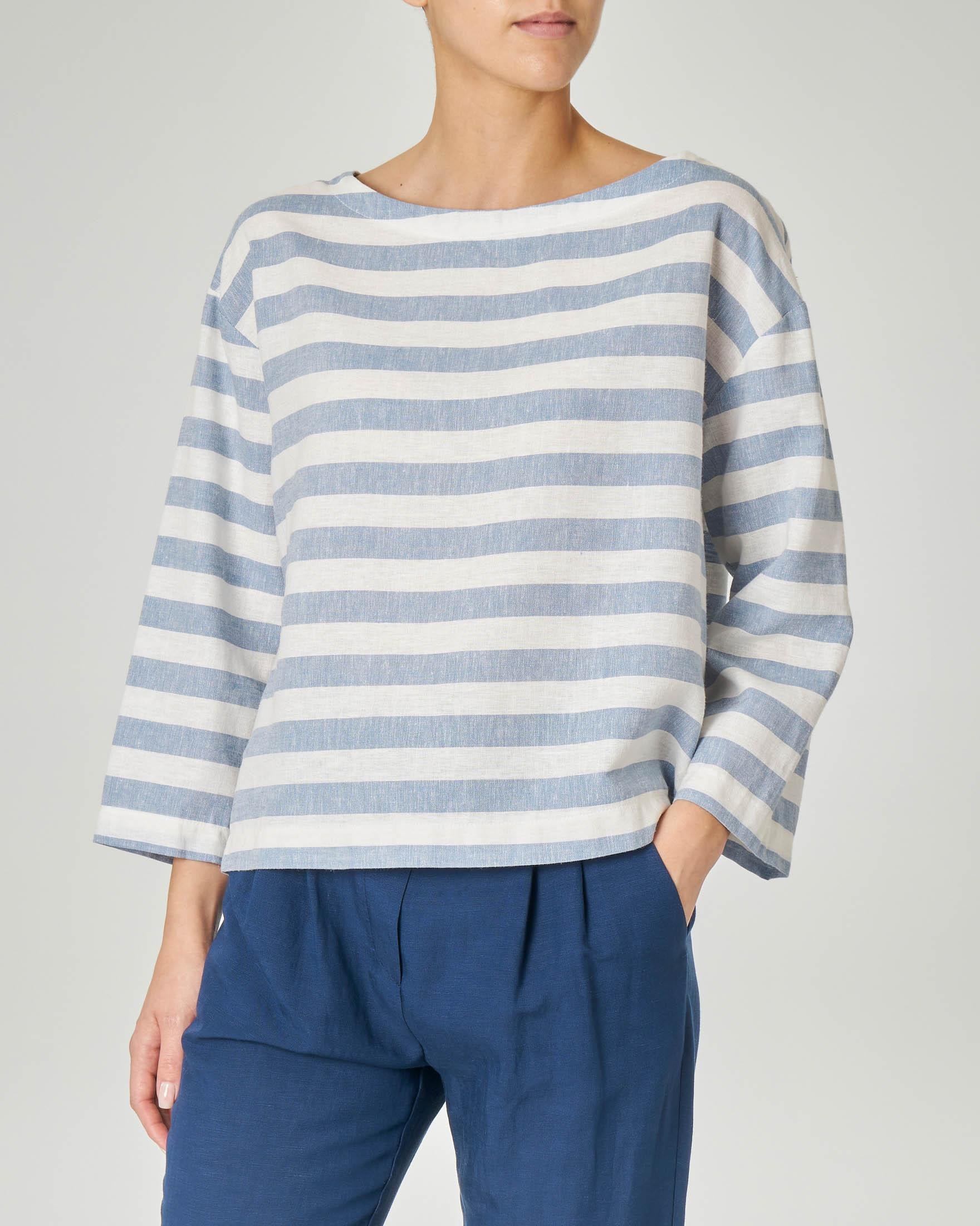 Blusa in viscosa misto lino a righe bianche e azzurre con maniche tre quarti