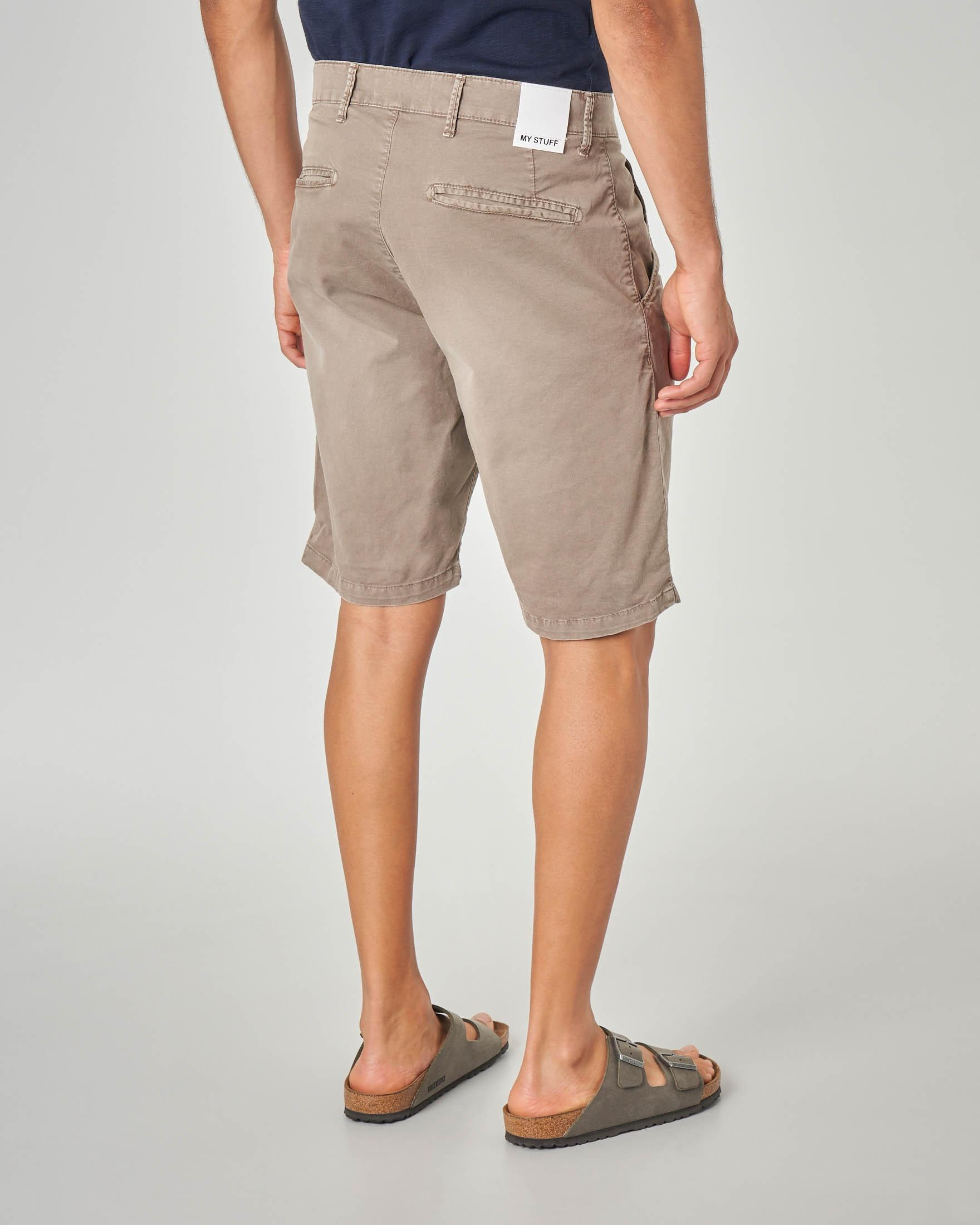 Bermuda chino beige lunghezza ginocchio