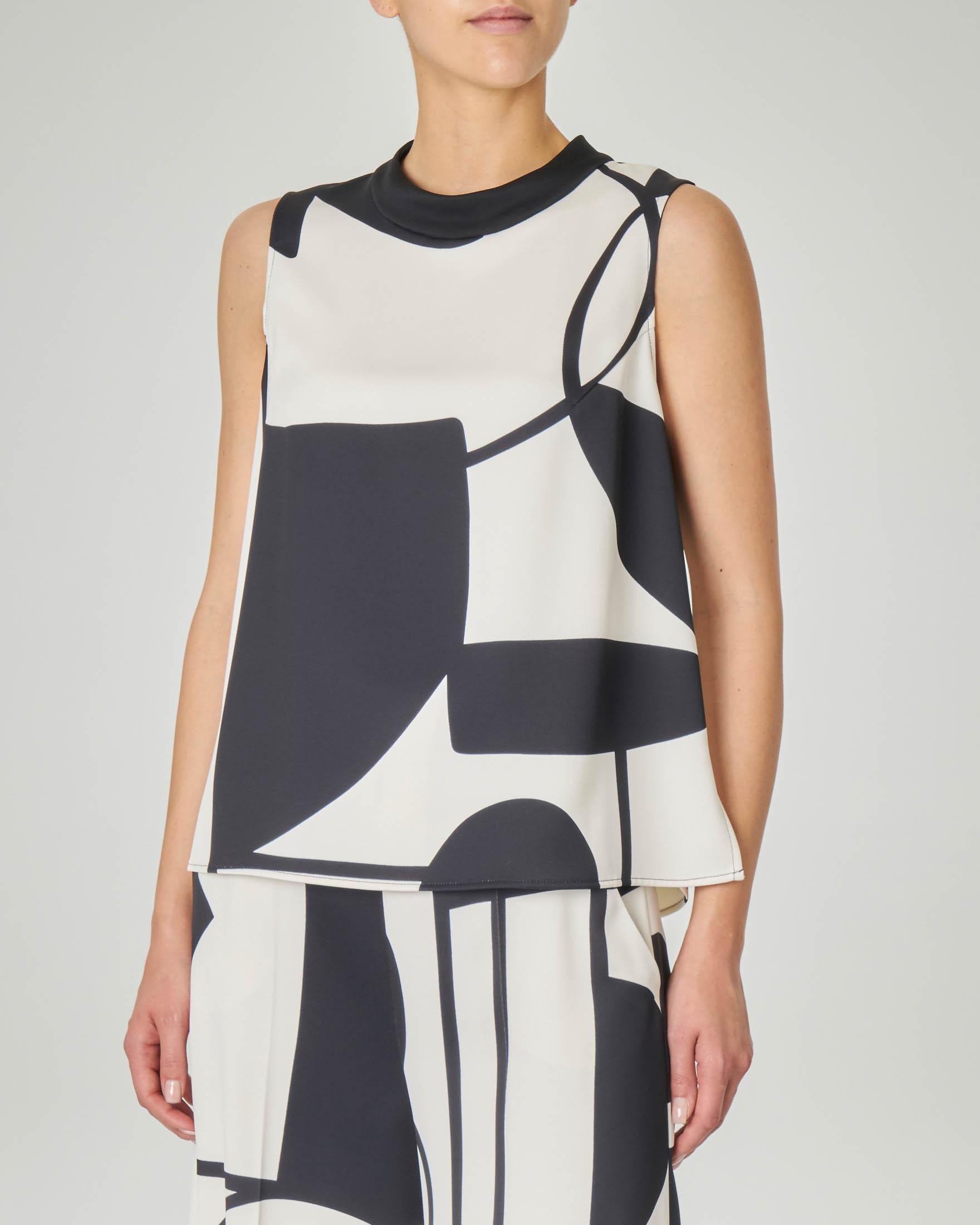 Blusa svasata LW x ART. 365 in crêpe a fantasia geometrica in bianco e nero senza maniche
