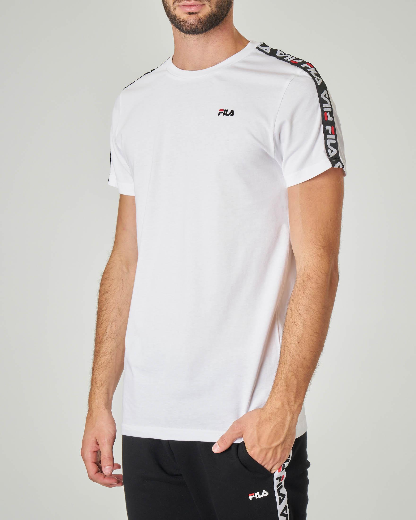T-shirt bianca con banda logata sulle maniche