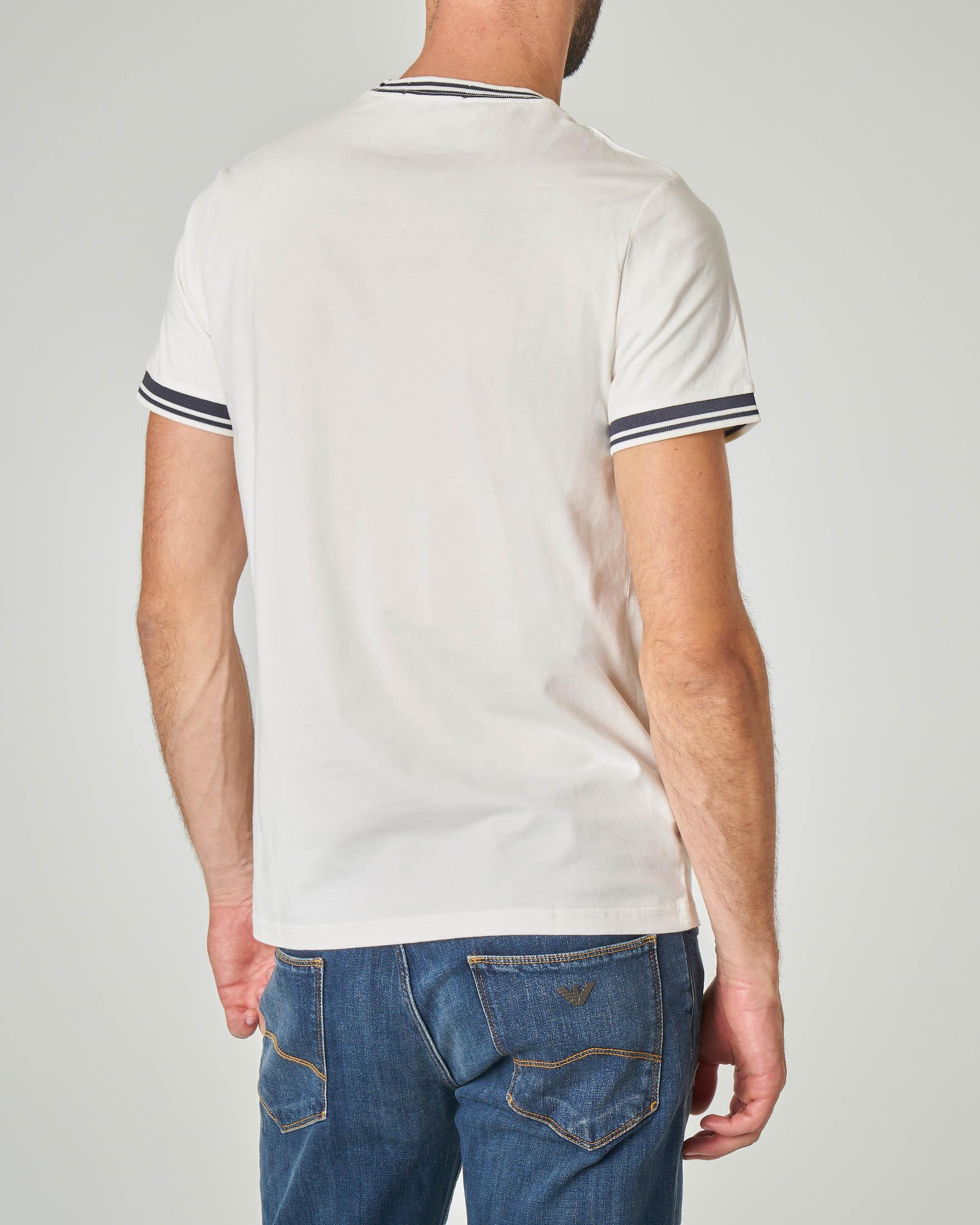 T-shirt bianca con bordini e logo