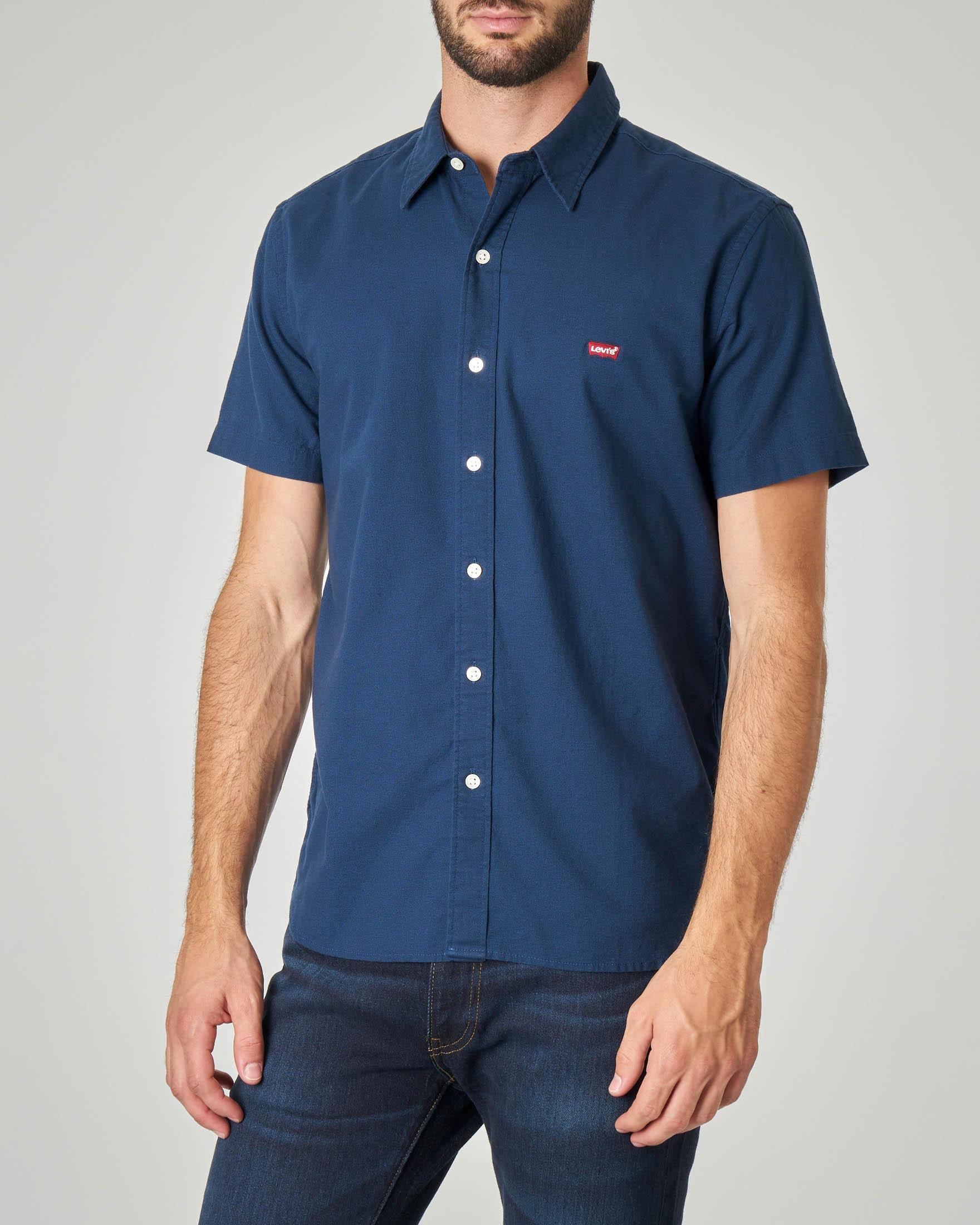 Camicia blu mezza manica con logo batwing piccolo