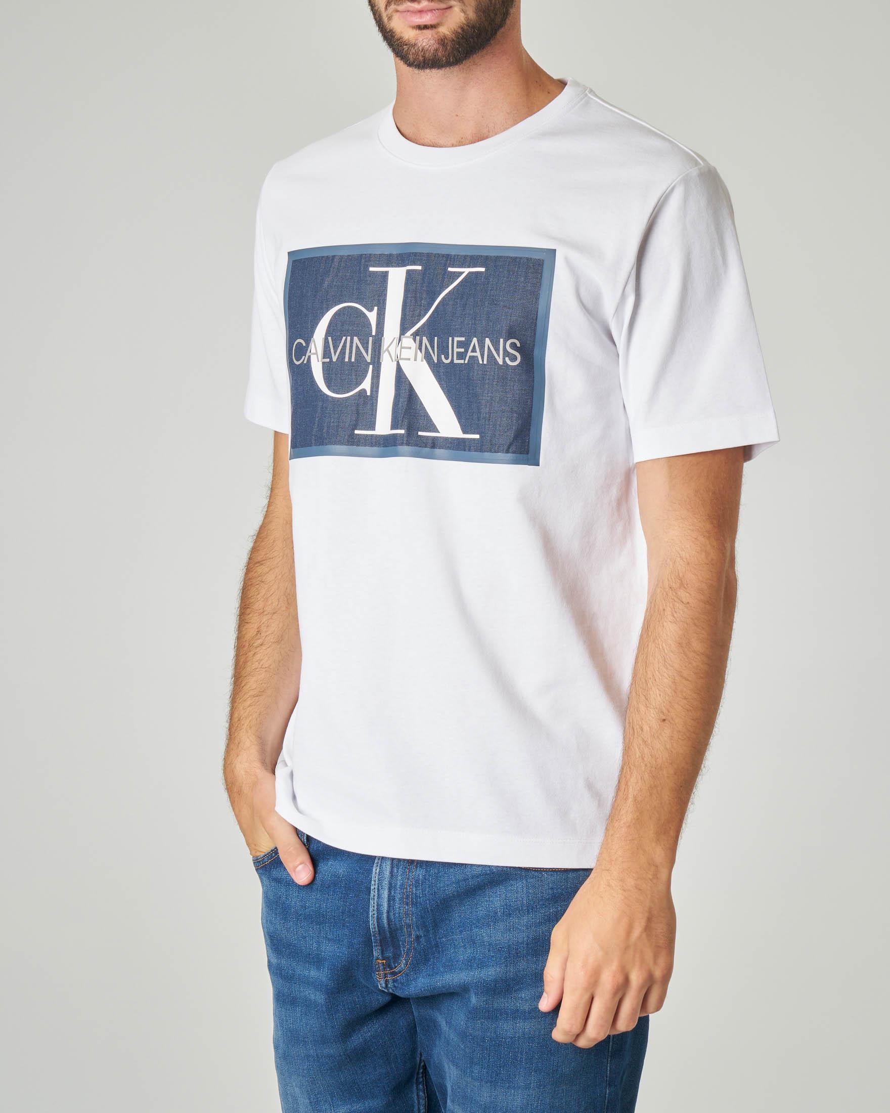 T-shirt bianca con logo chambray