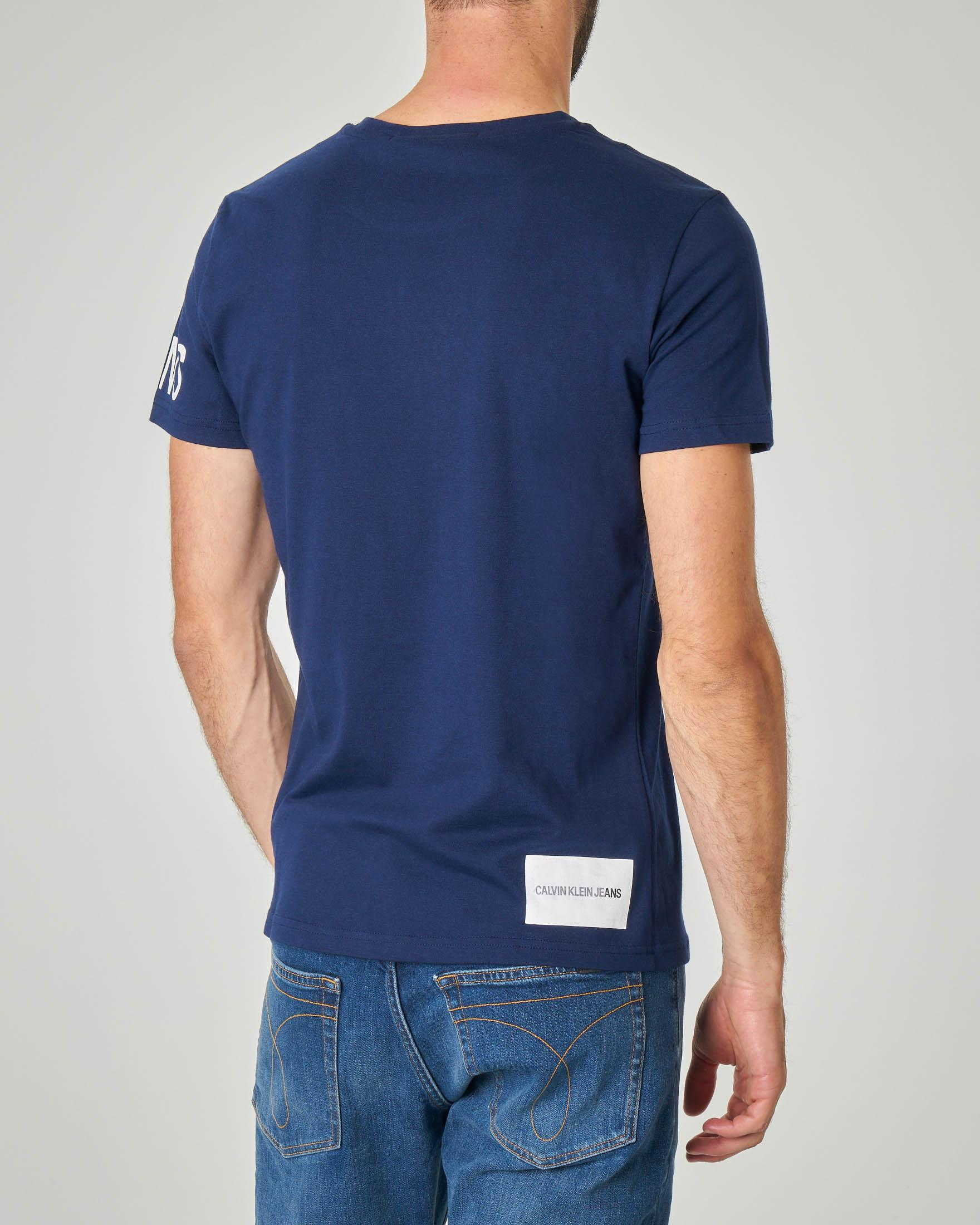 T-shirt blu con stampa CK