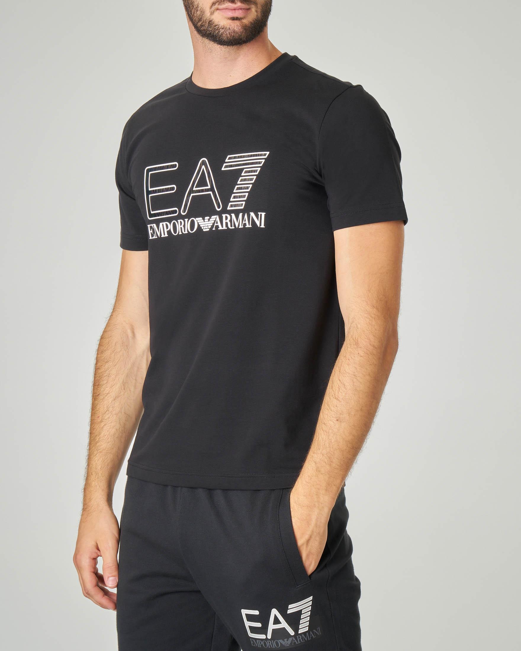 T-shirt nera in cotone stretch con logo cangiante
