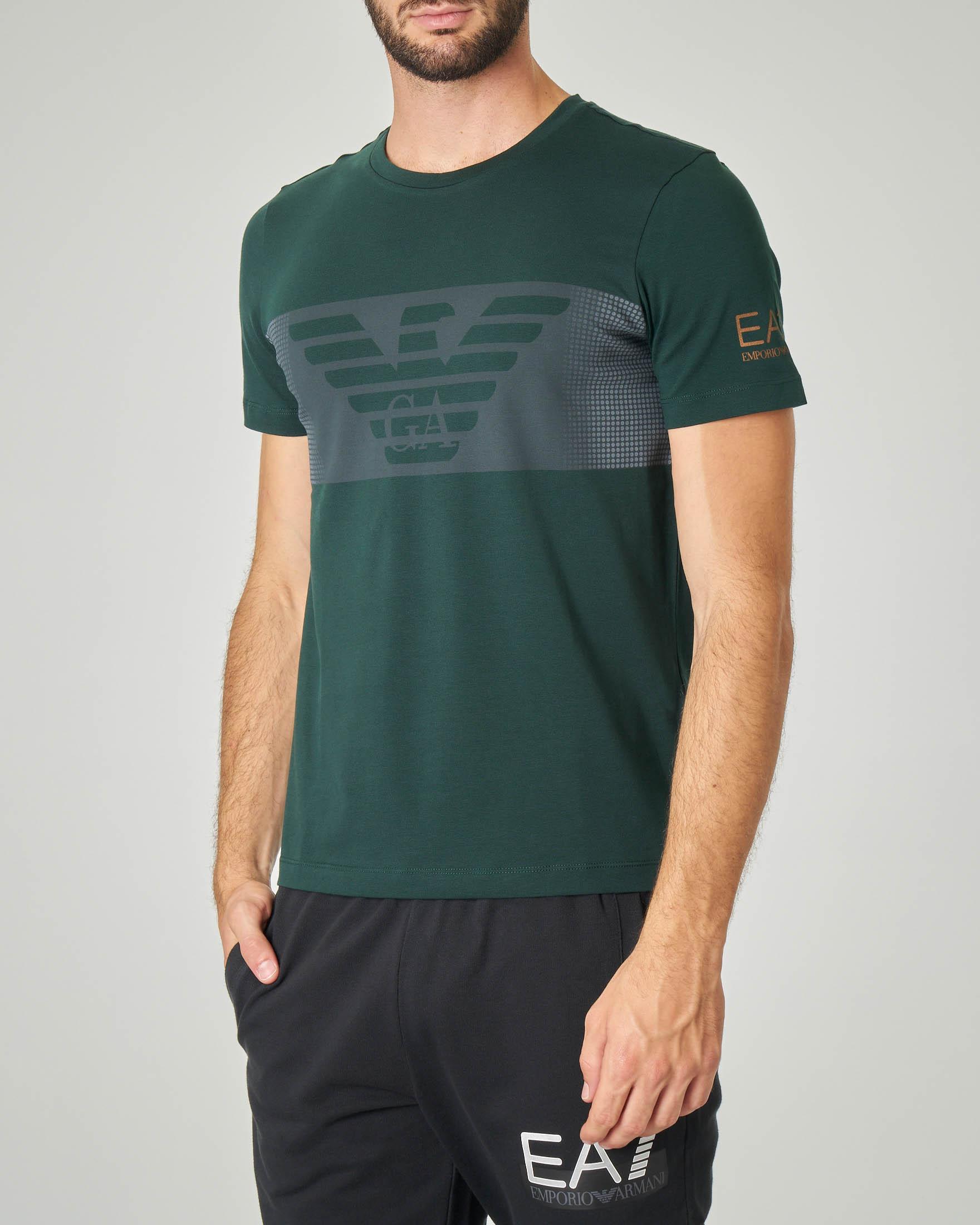 T-shirt verde in cotone stretch con fascia grigia e aquila stampata