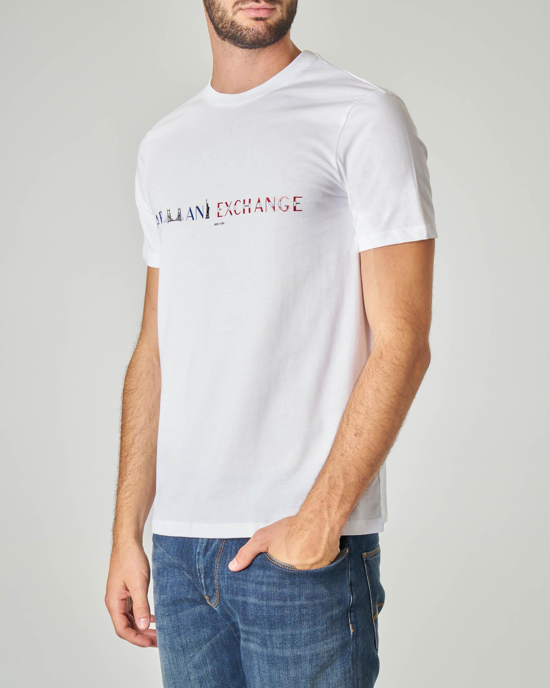 T-shirt bianca con stampa logo ispirata a New York