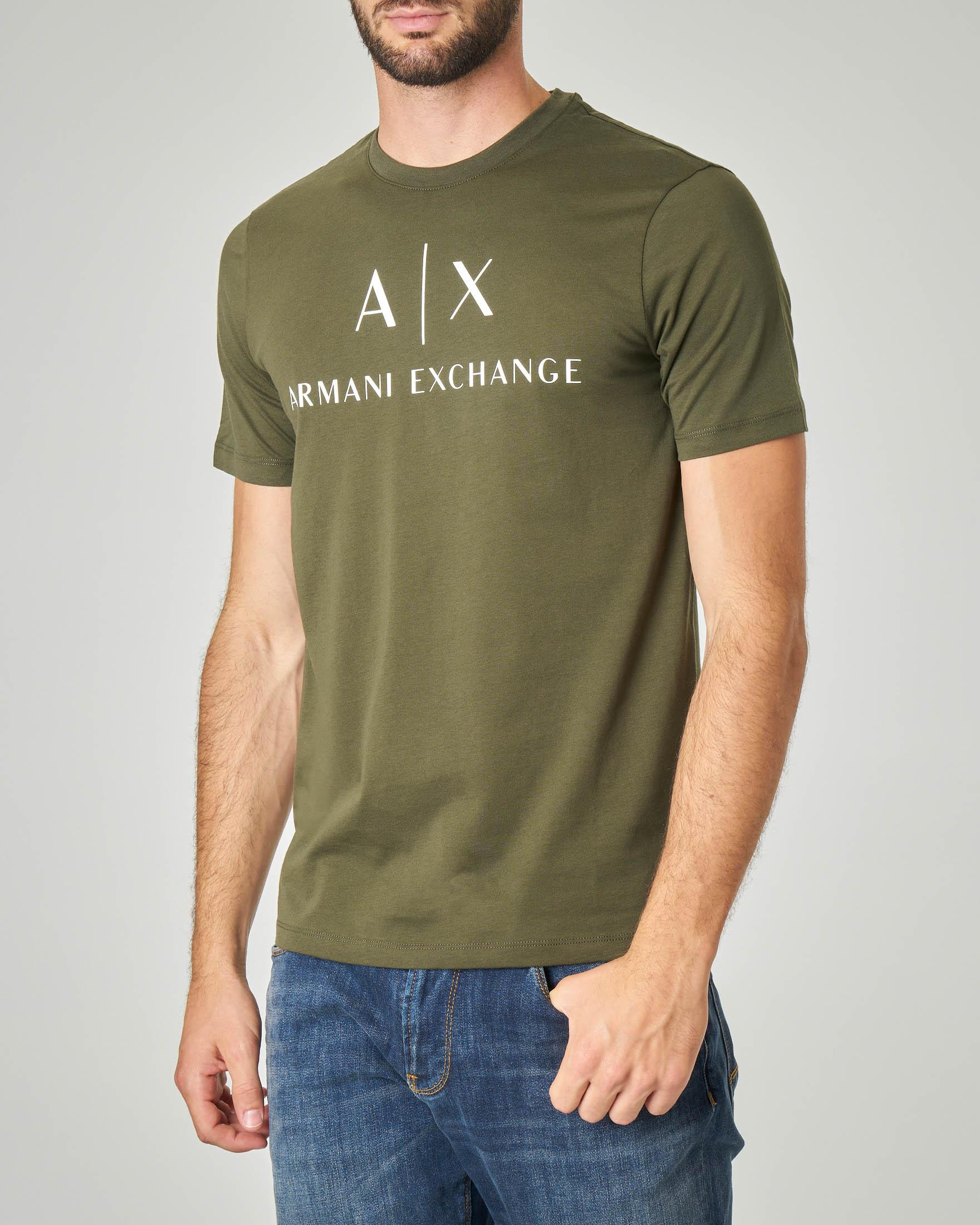 T-shirt verde militare con stampa logo sul petto