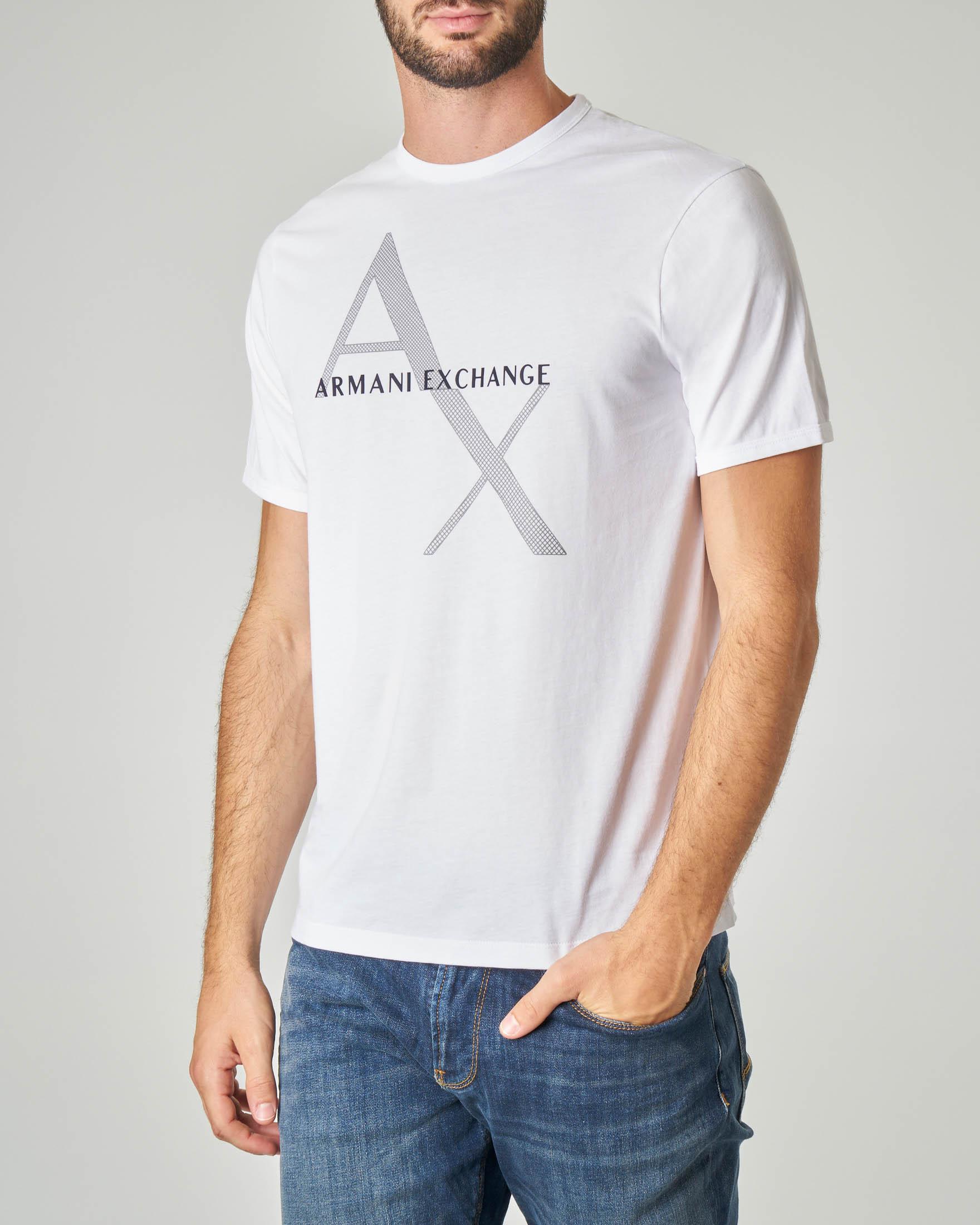 T-shirt bianca con stampa e logo gommato