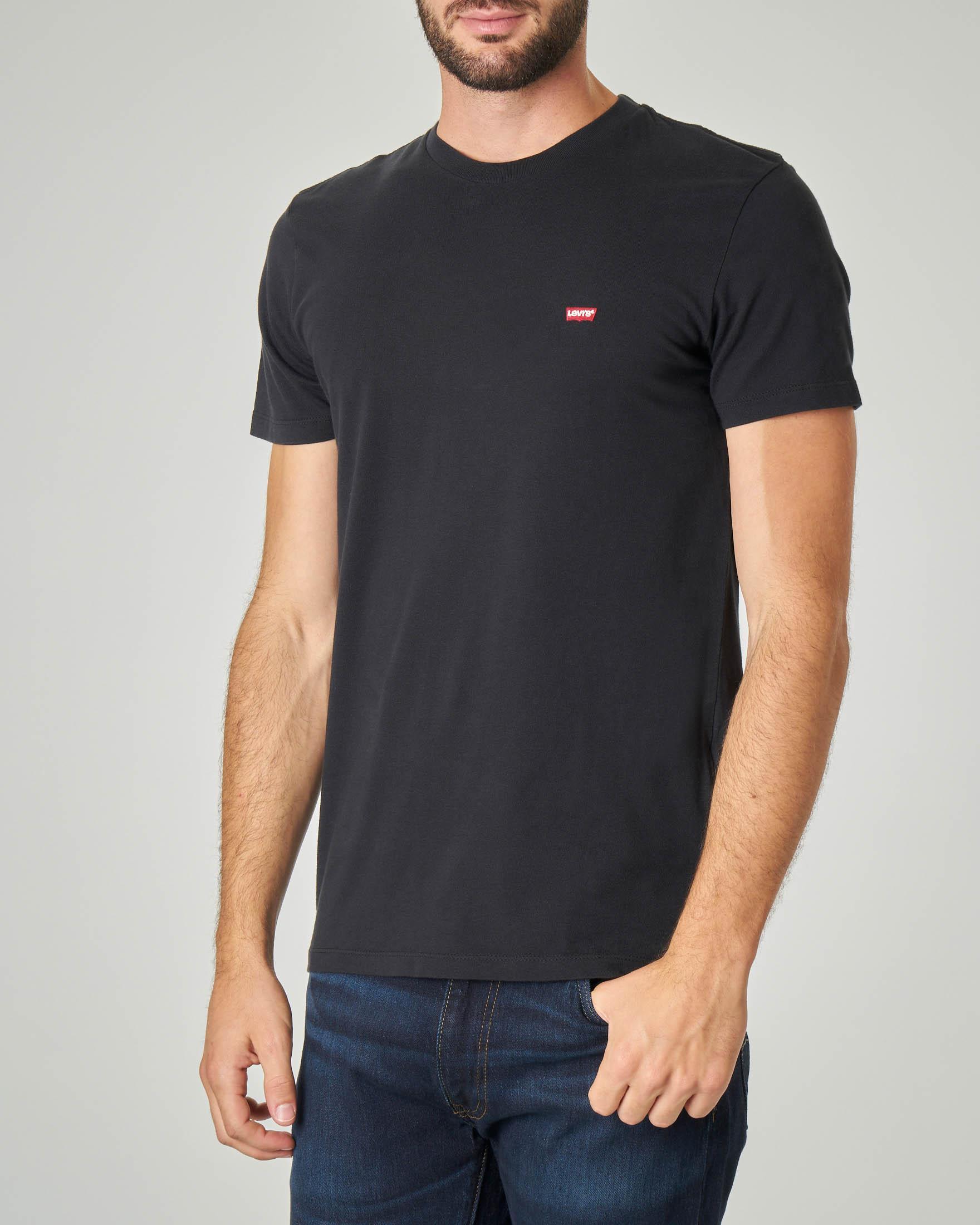 T-shirt nera con logo batwing piccolo