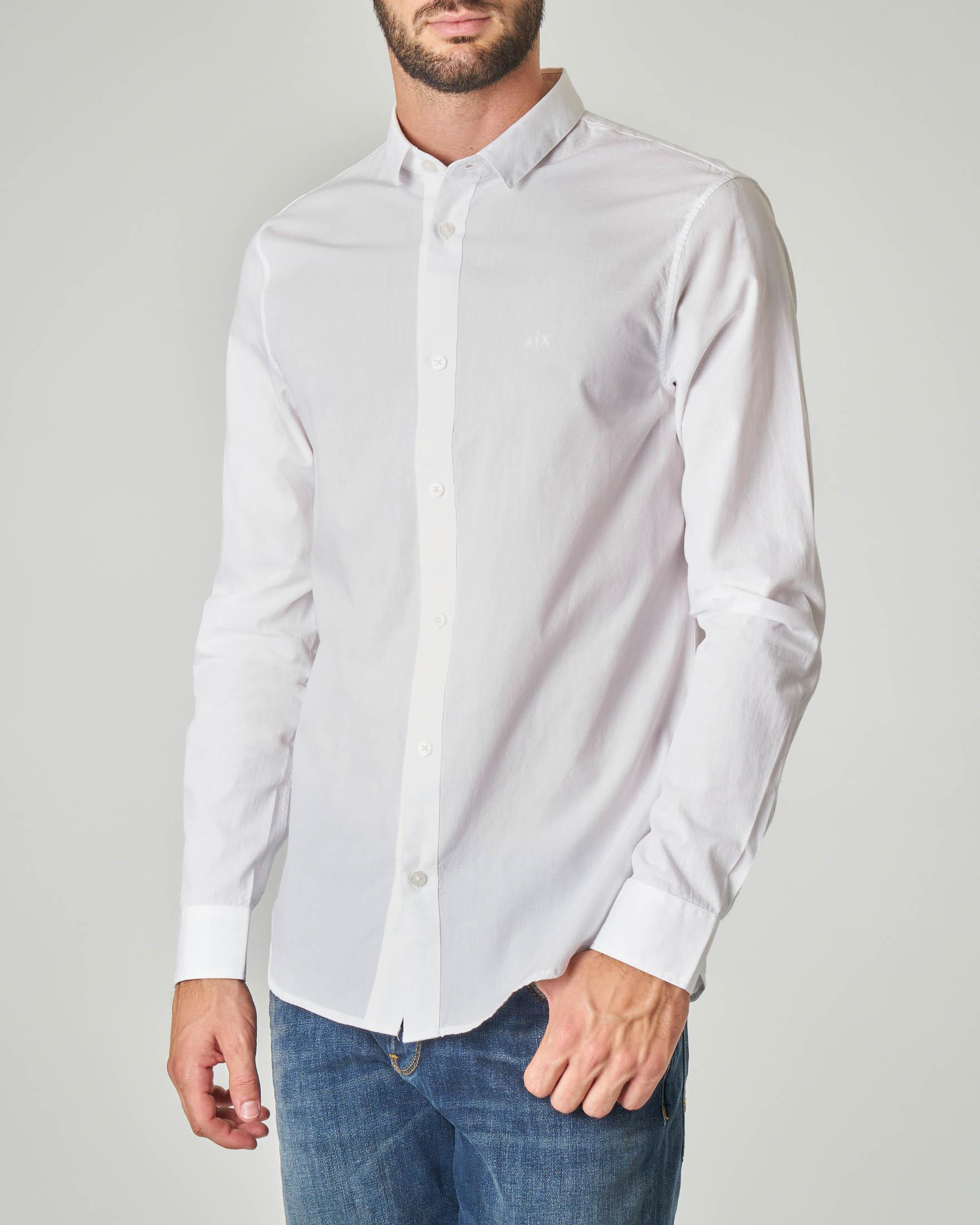 Camicia bianca in fantasia micro-puntino