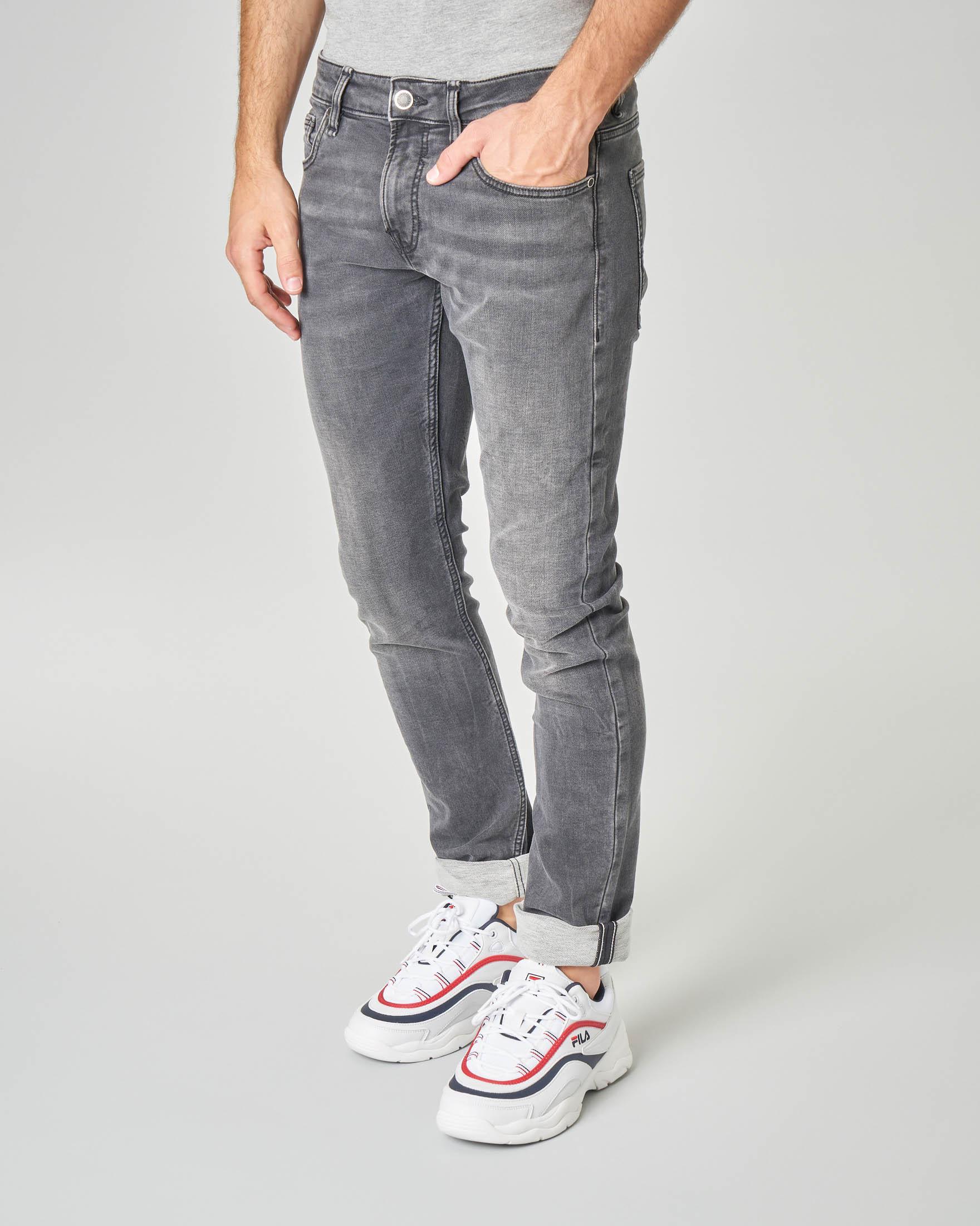 Jeans grigio skinny lavaggio stone wash super stretch