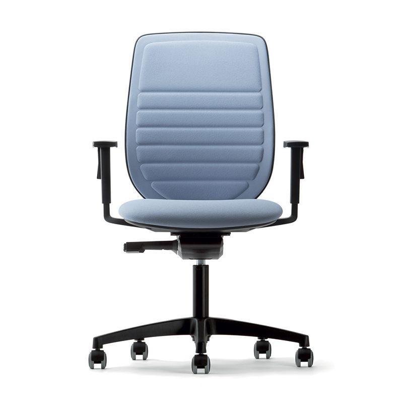Sedia ufficio rivestita in tessuto azzurro