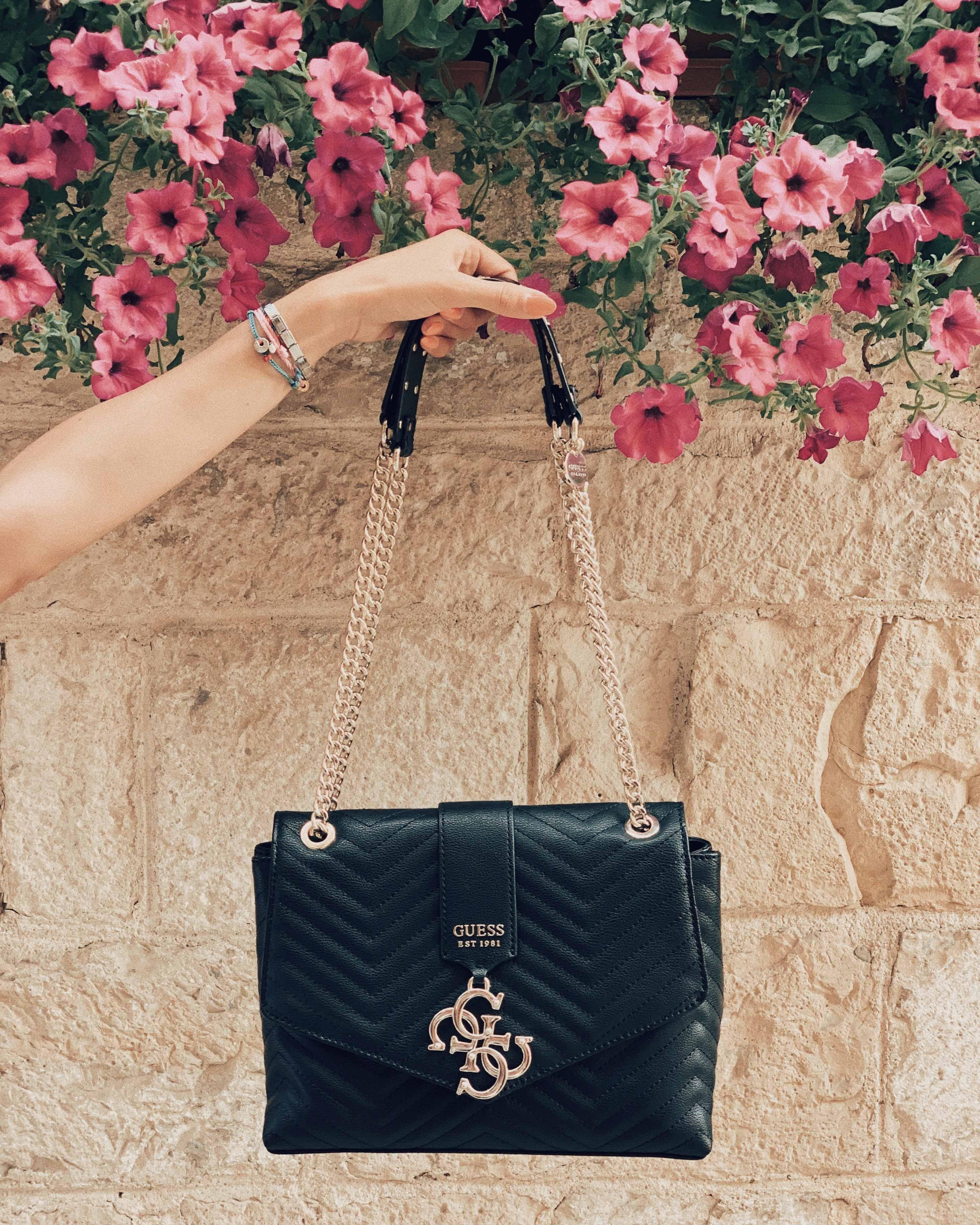Abbigliamento viaggio e accessori trendy