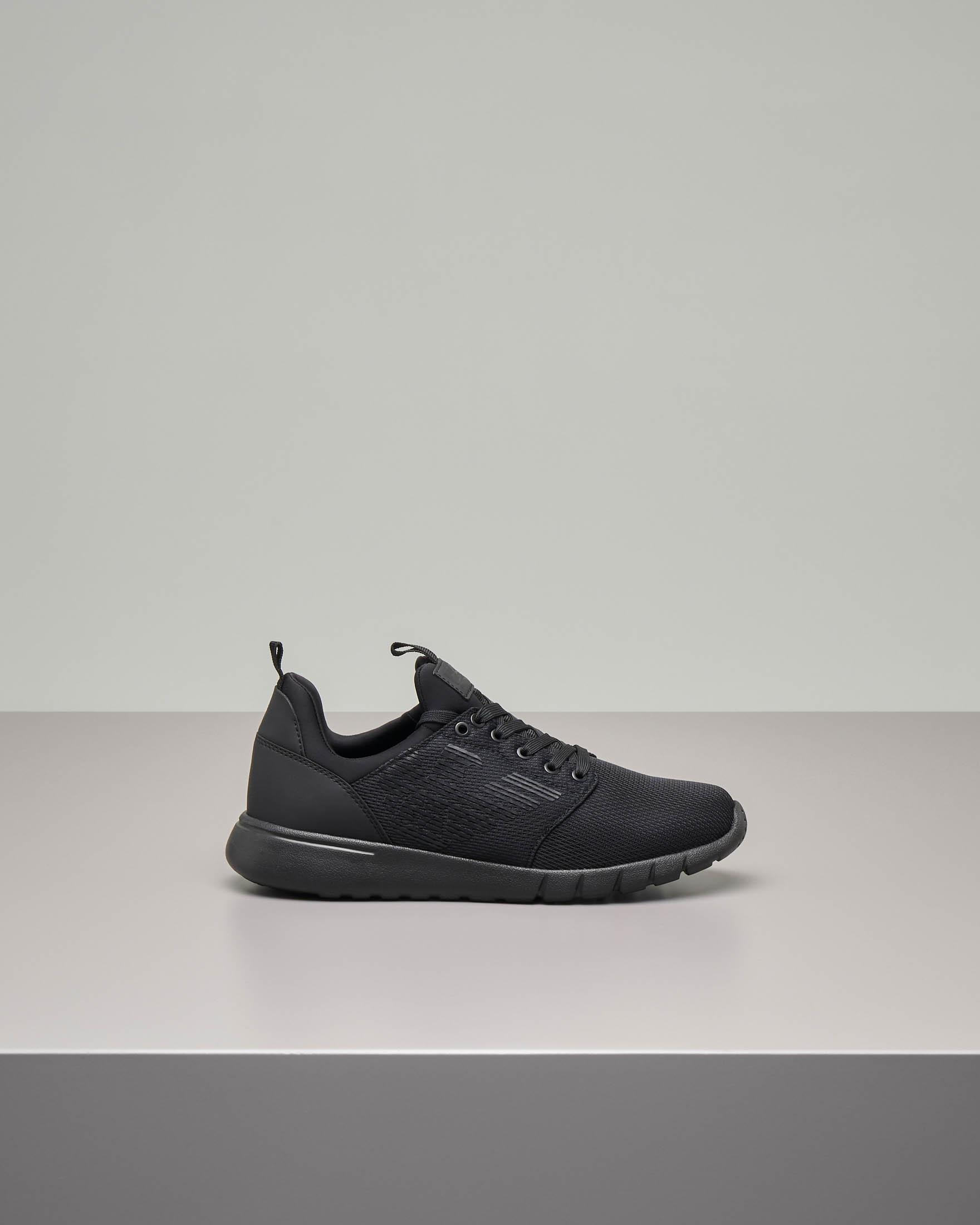 Sneakers nere con logo nero in mesh