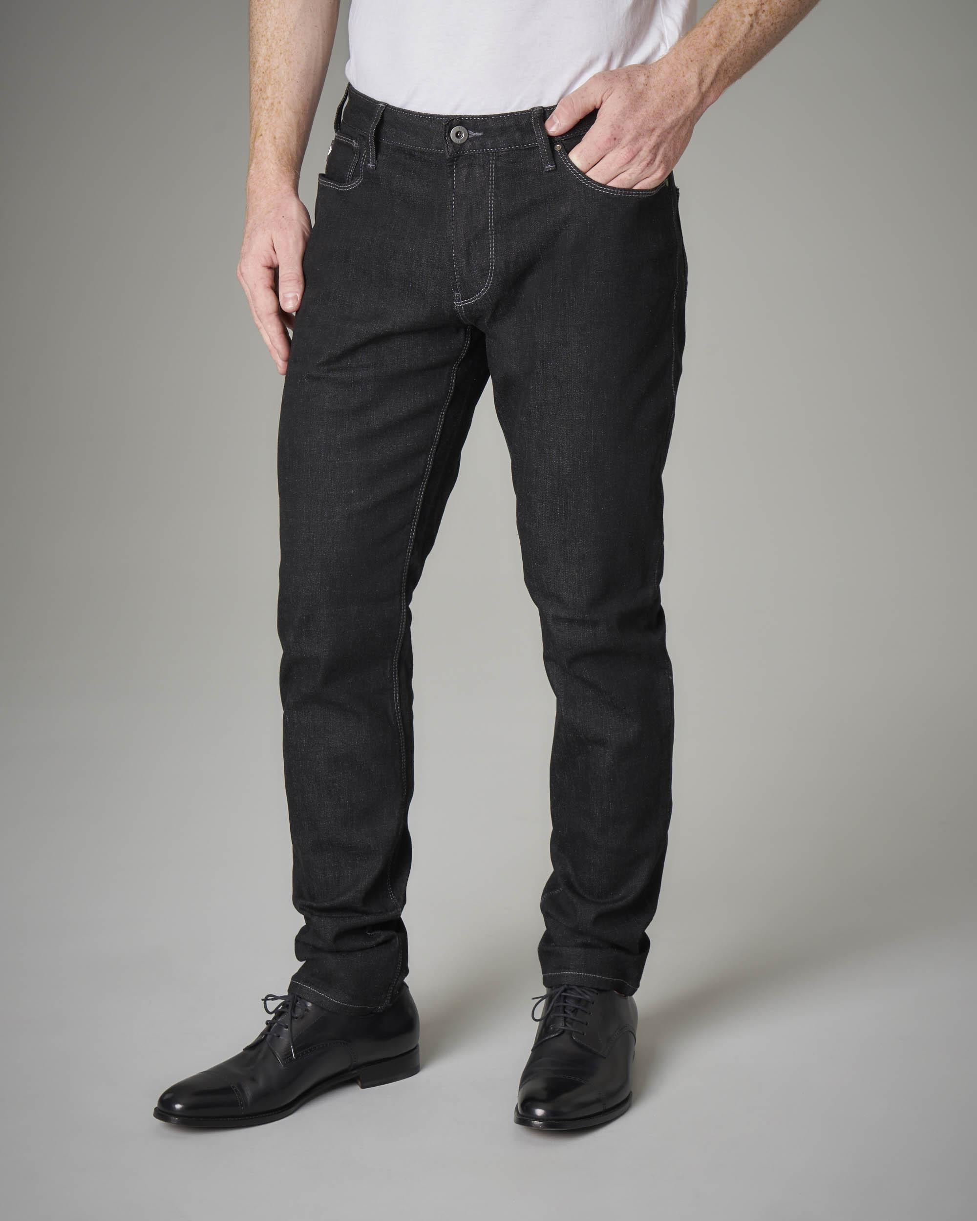Jeans J06 nero in cotone stretch