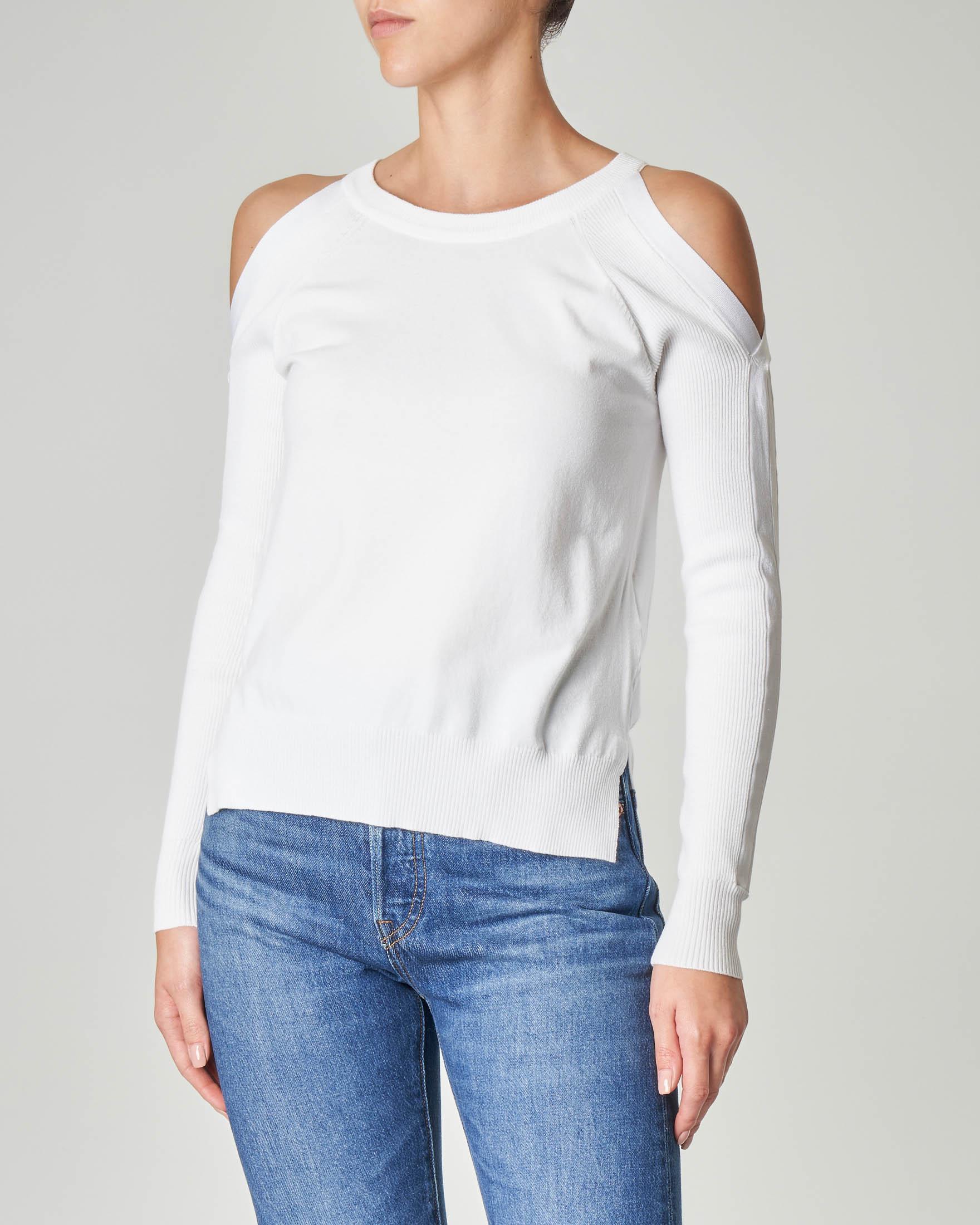 Maglia bianca in misto viscosa con maniche lunghe e aperture sulle spalle