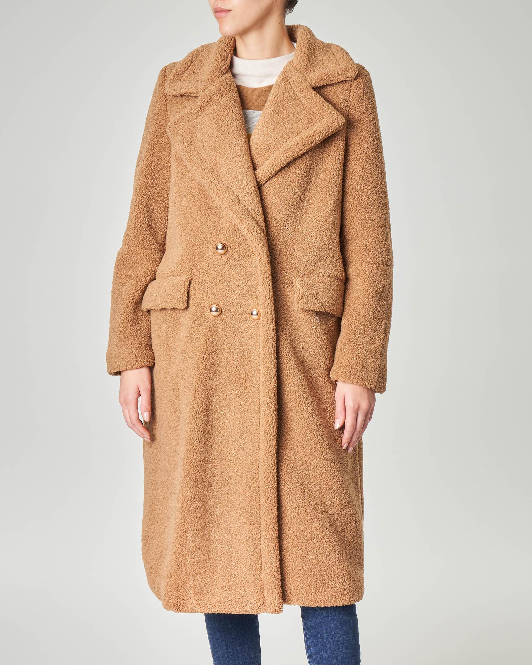 Cappotto sette ottavi cammello doppiopetto effetto orsetto
