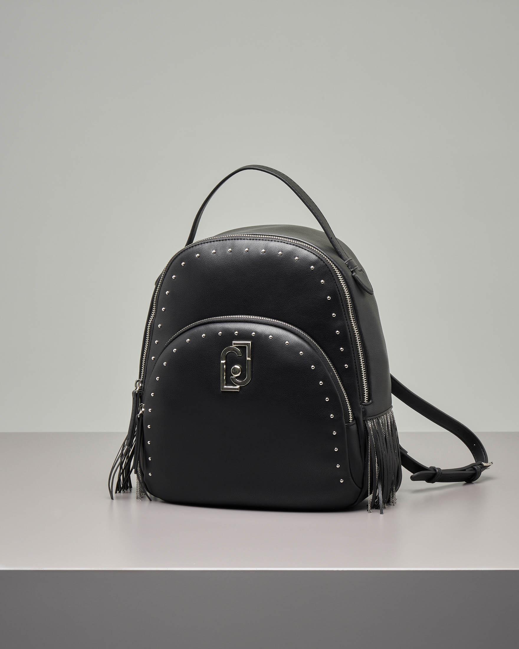 Zaino nero in eco pelle effetto liscio con borchie e frange applicate