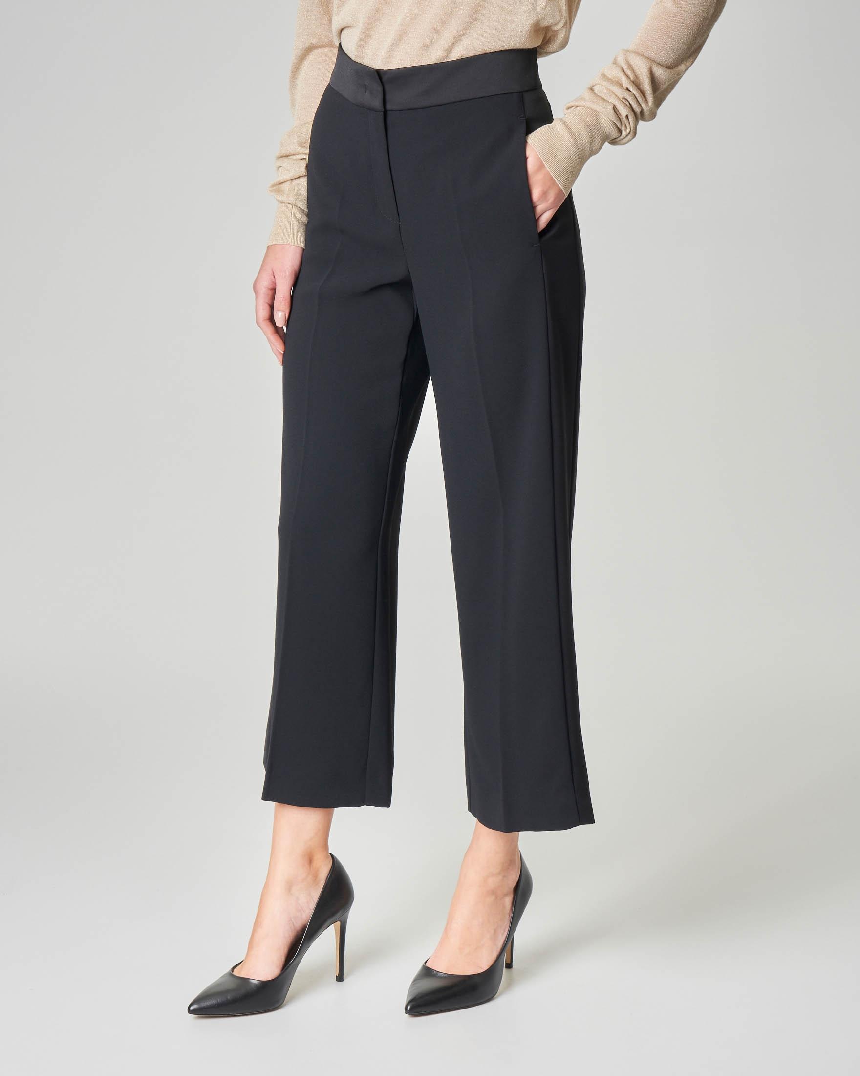 Pantalone nero cropped con profilo in raso