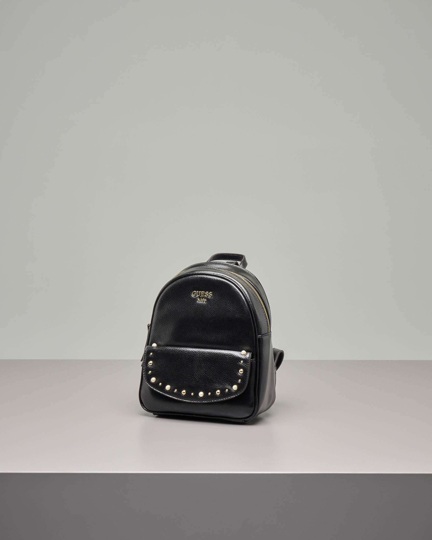 Zaino nero in ecopelle con pattina e borchie applicate   Pellizzari E commerce